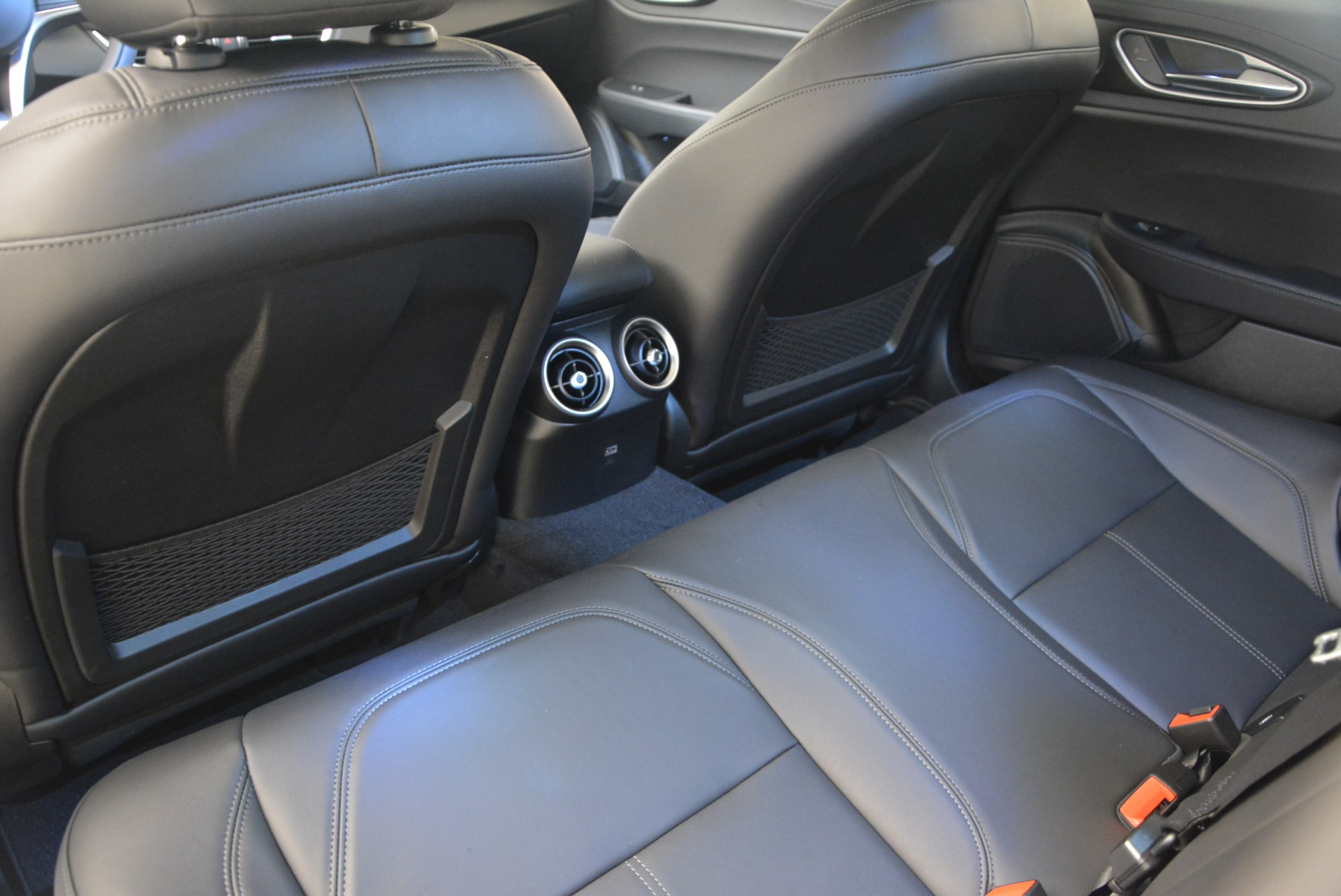 New 2018 Alfa Romeo Giulia Q4 For Sale In Greenwich, CT 1848_p18