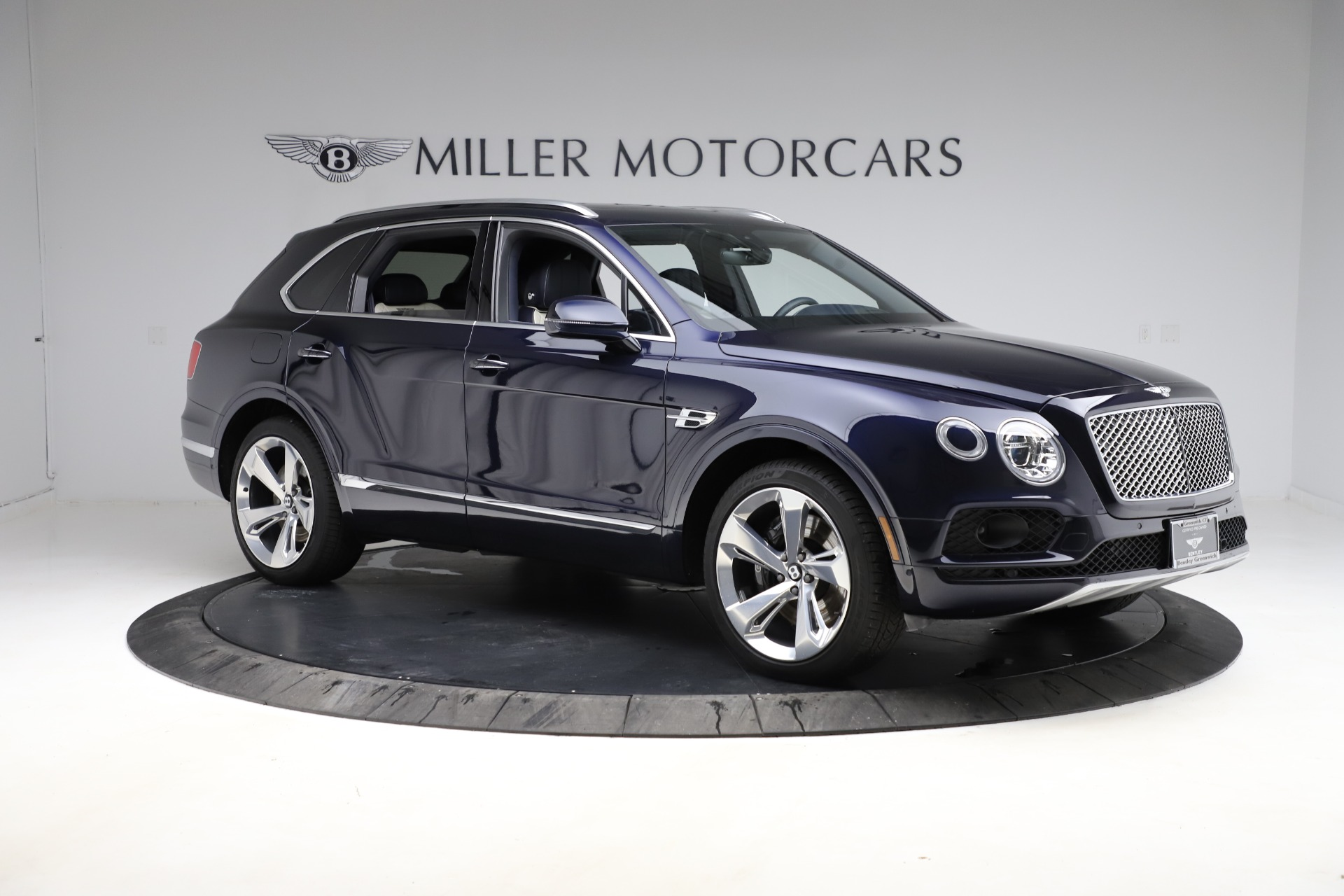 New 2018 Bentley Bentayga Signature For Sale In Greenwich, CT 1873_p12
