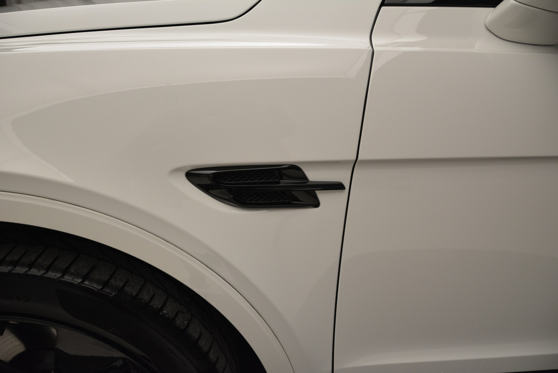 New 2018 Bentley Bentayga Black Edition For Sale In Greenwich, CT 1874_p20