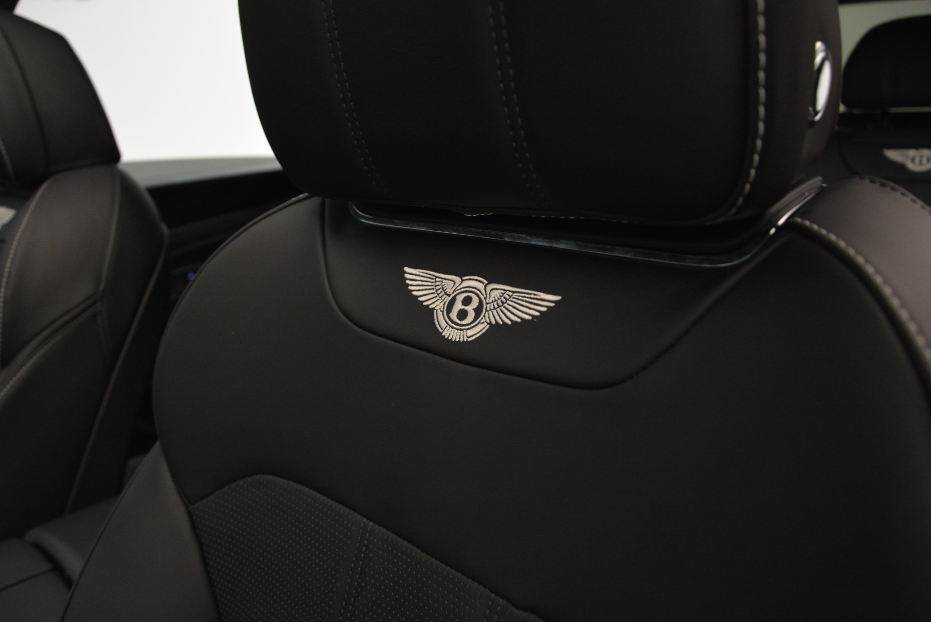 New 2018 Bentley Bentayga Black Edition For Sale In Greenwich, CT 1874_p31