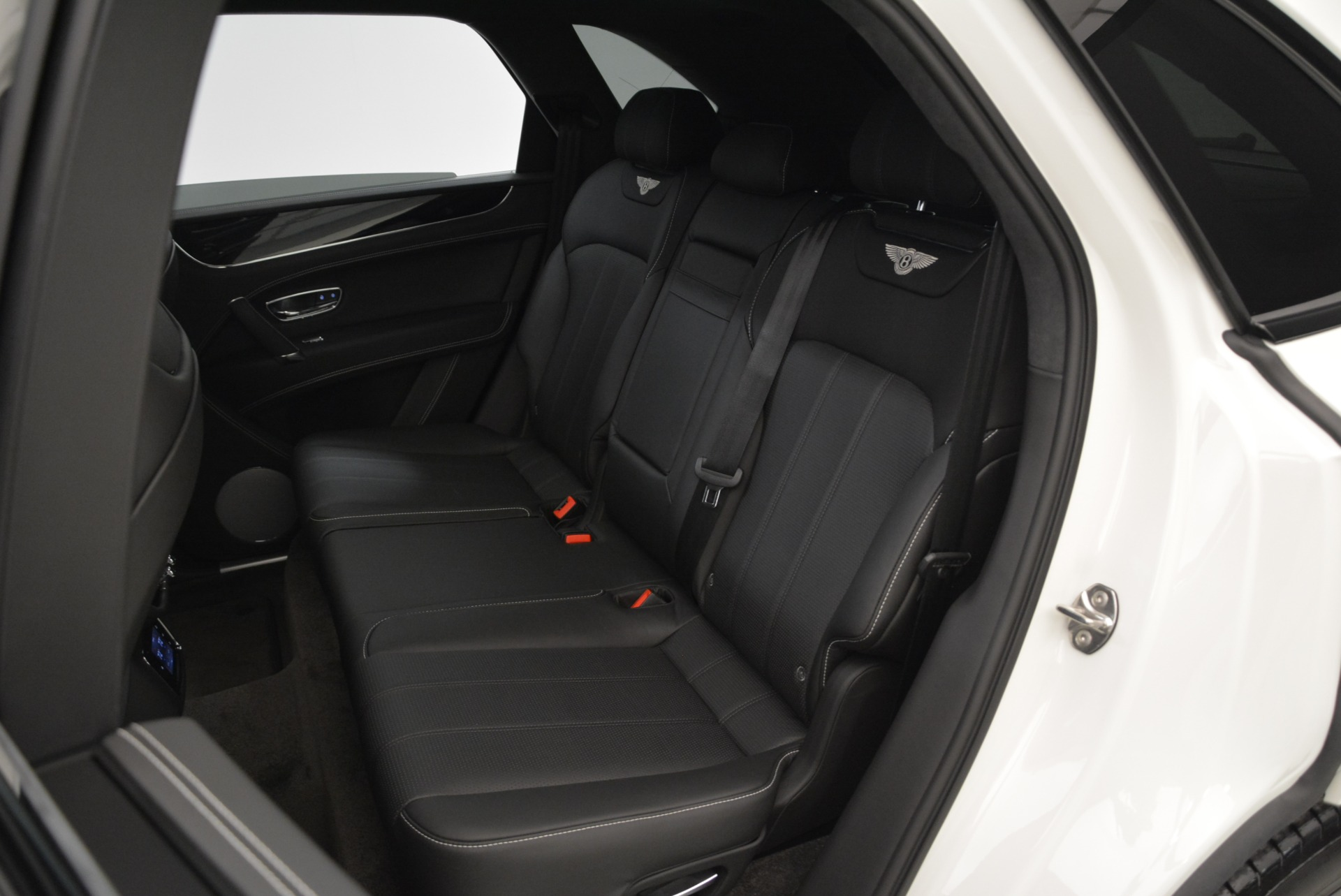 New 2018 Bentley Bentayga Black Edition For Sale In Greenwich, CT 1874_p35