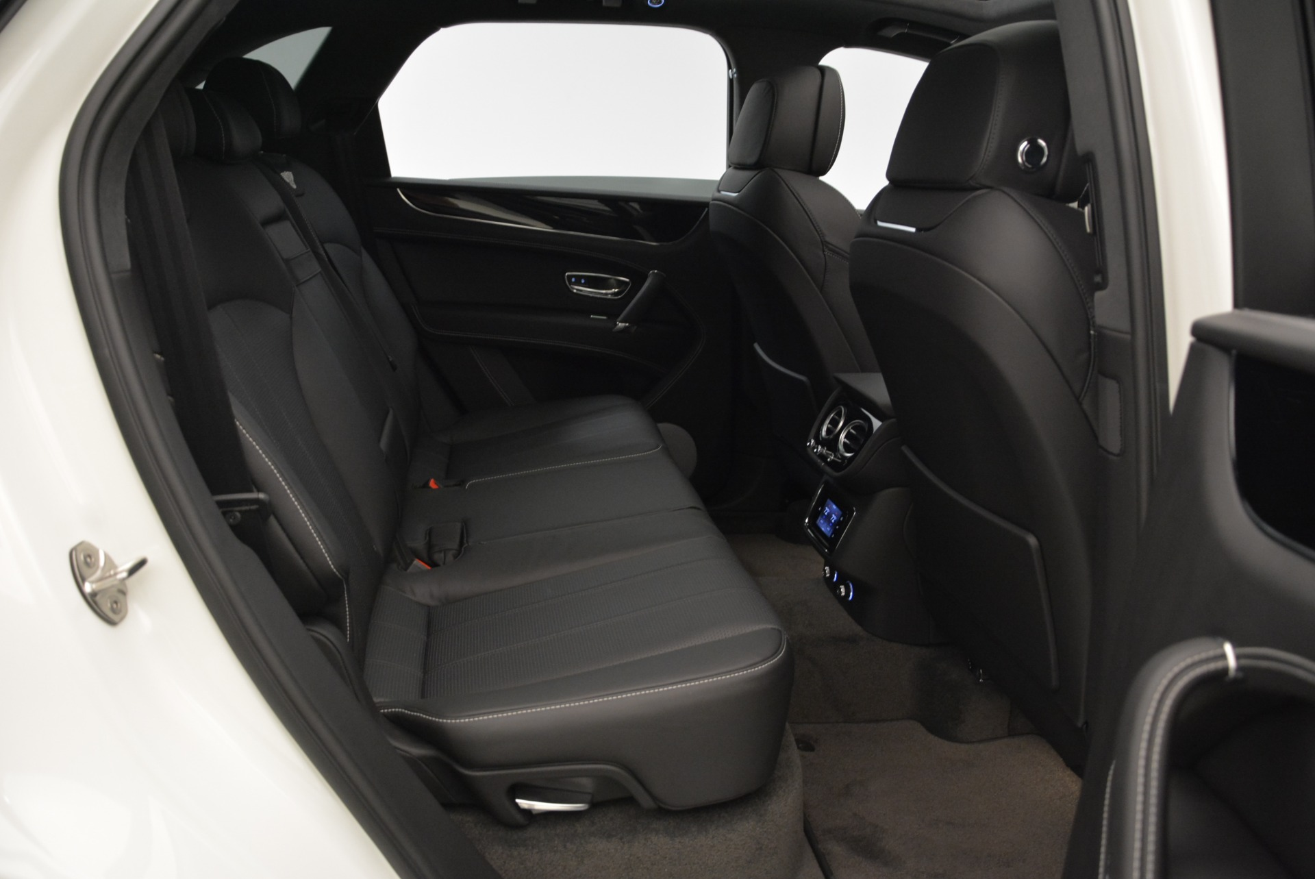 New 2018 Bentley Bentayga Black Edition For Sale In Greenwich, CT 1874_p47