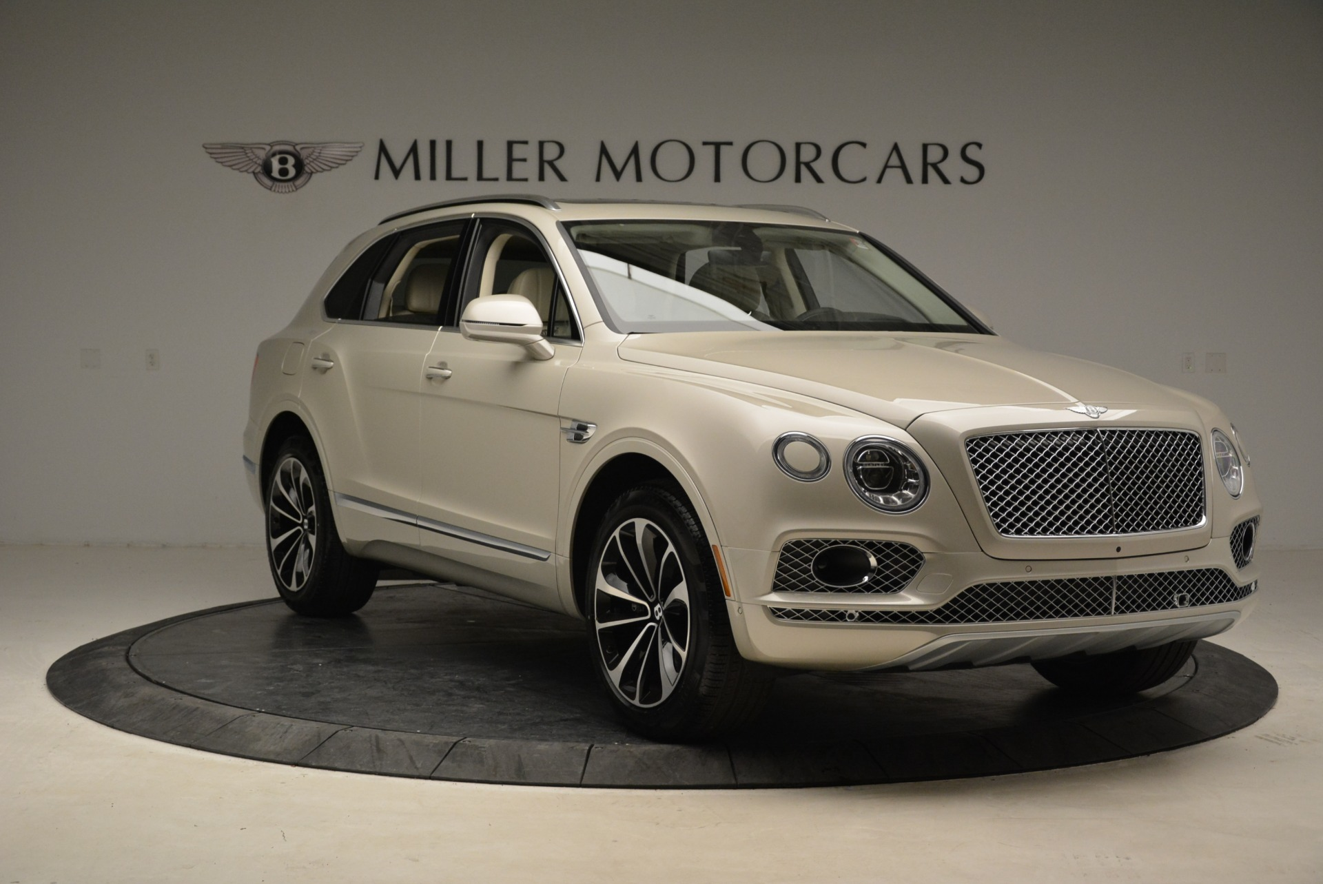 New 2018 Bentley Bentayga Signature For Sale In Greenwich, CT 1876_p11