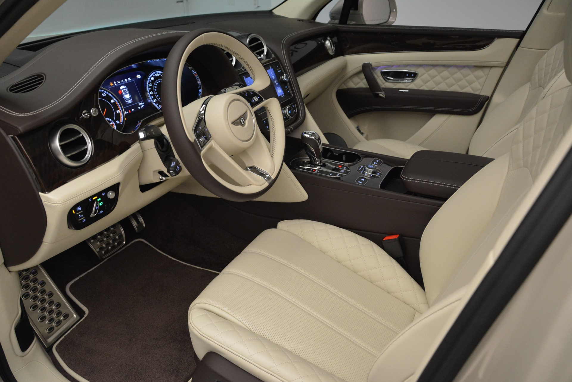 New 2018 Bentley Bentayga Signature For Sale In Greenwich, CT 1876_p18