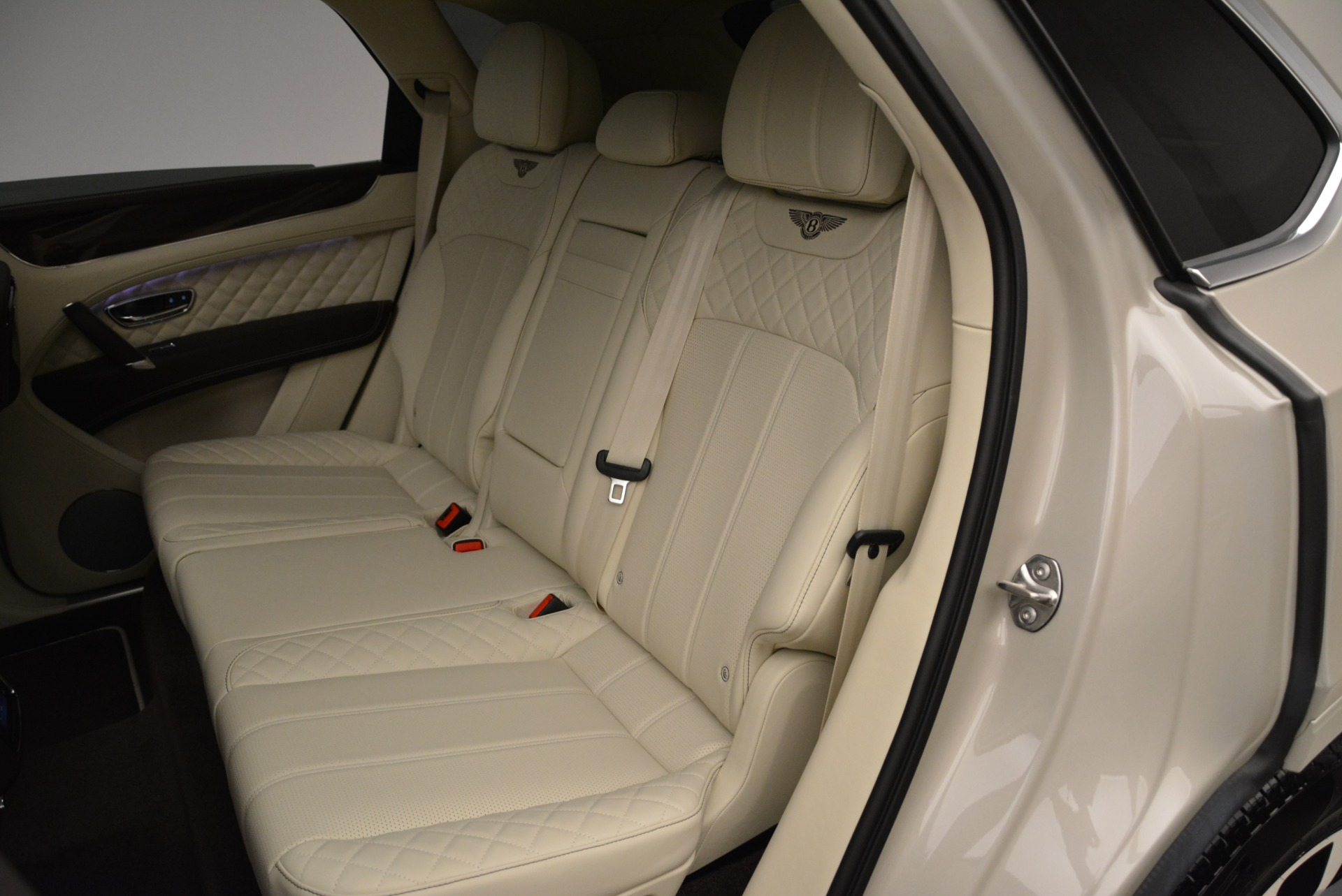 New 2018 Bentley Bentayga Signature For Sale In Greenwich, CT 1876_p22