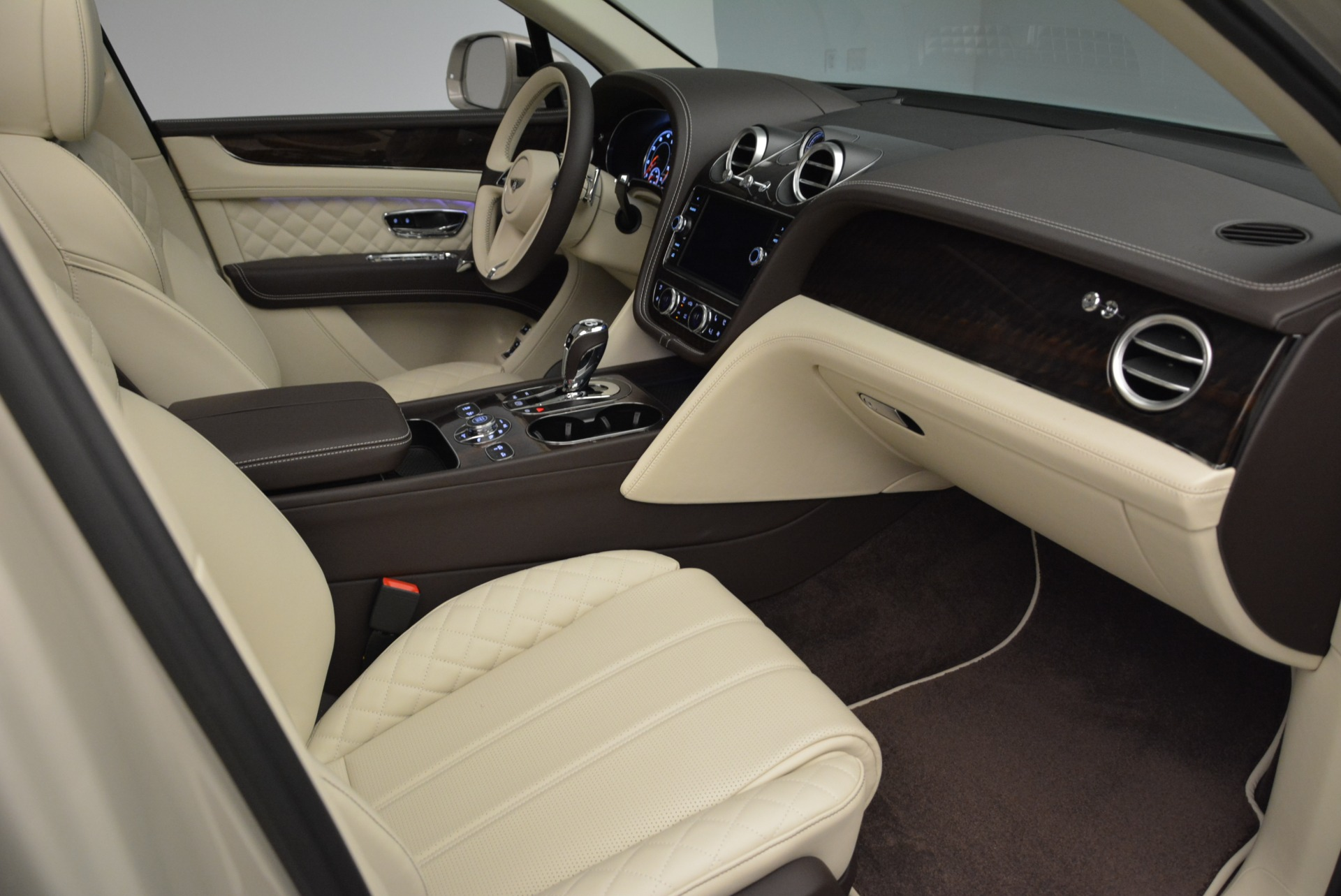 New 2018 Bentley Bentayga Signature For Sale In Greenwich, CT 1876_p26
