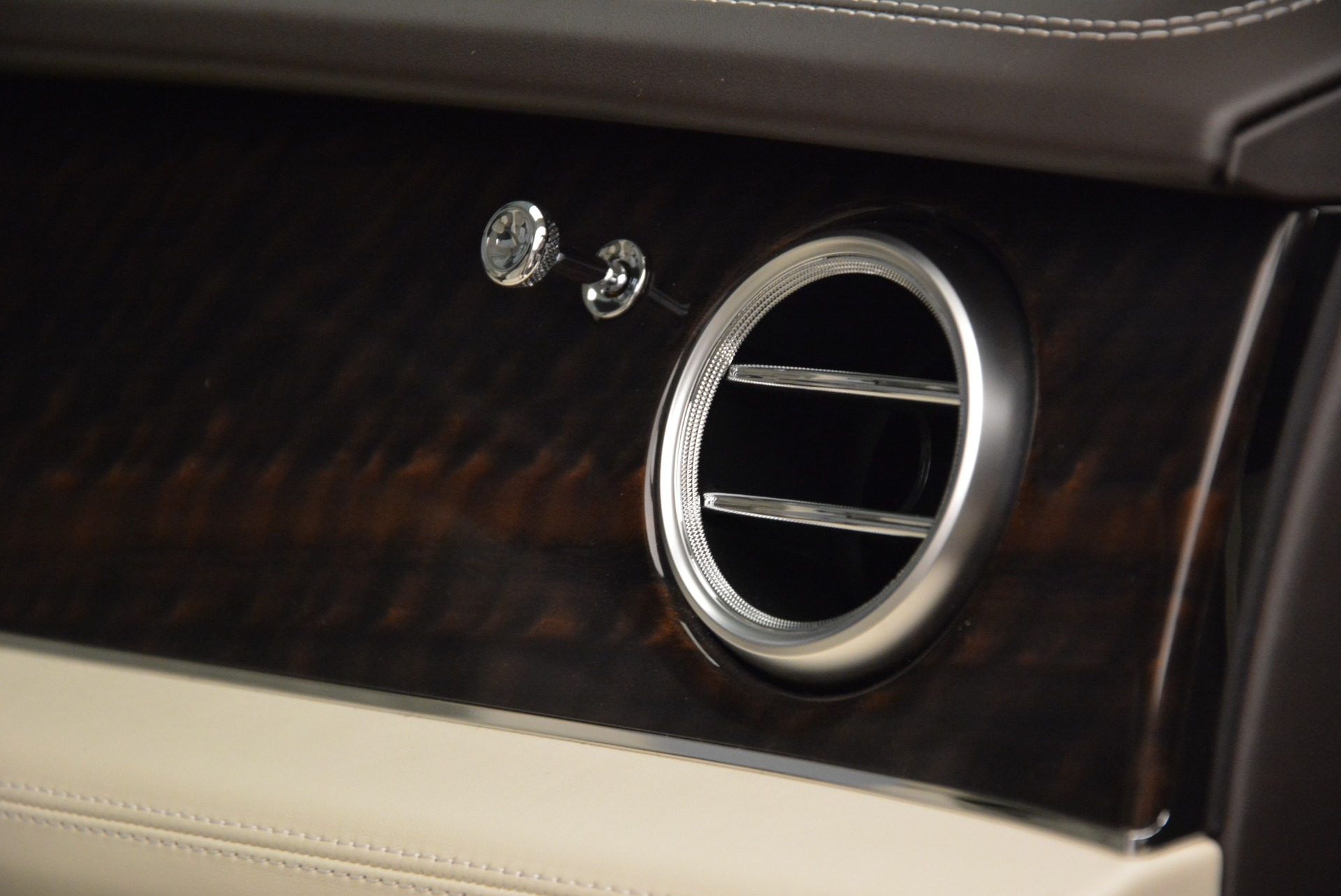 New 2018 Bentley Bentayga Signature For Sale In Greenwich, CT 1876_p30