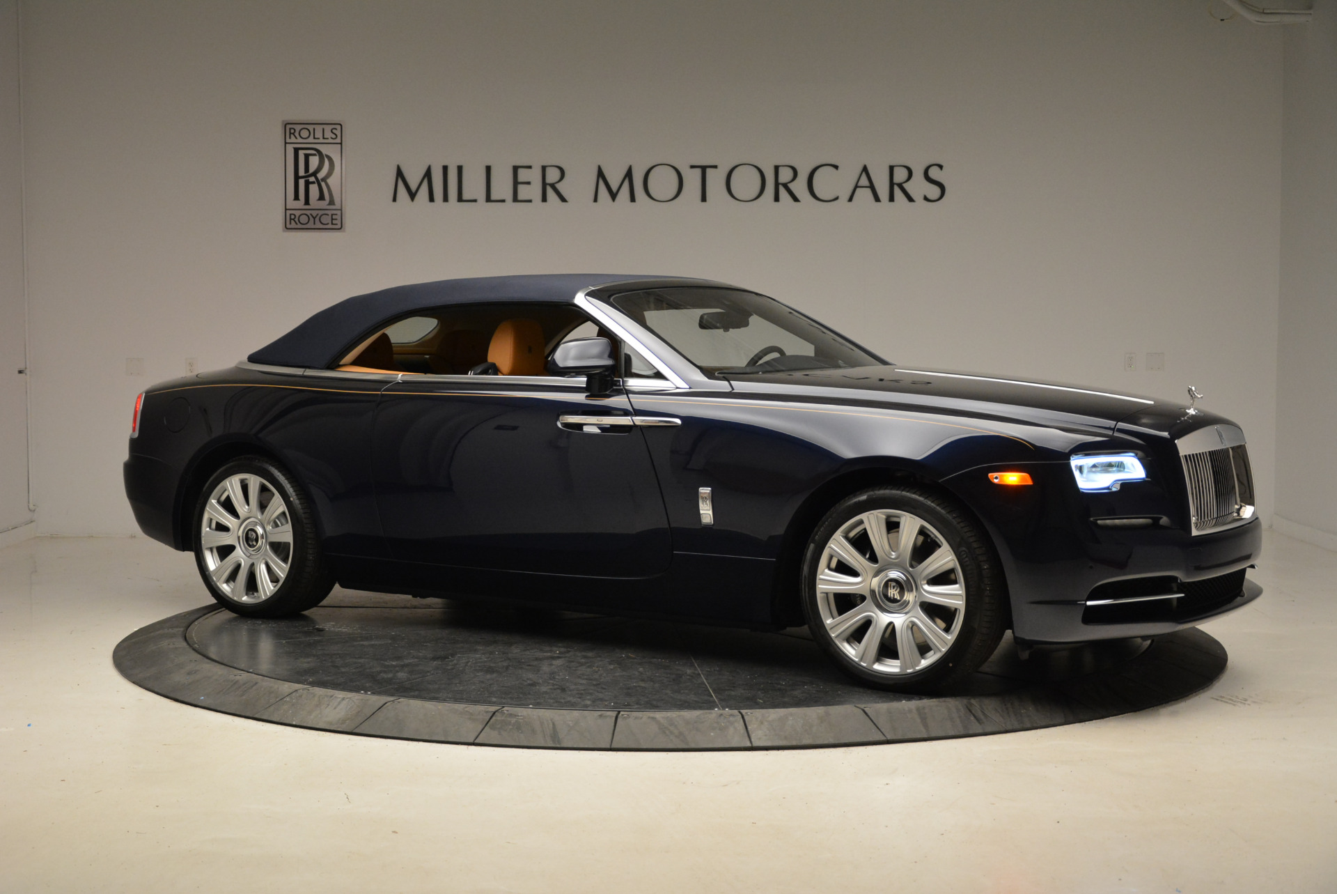 New 2018 Rolls-Royce Dawn  For Sale In Greenwich, CT 1887_p22