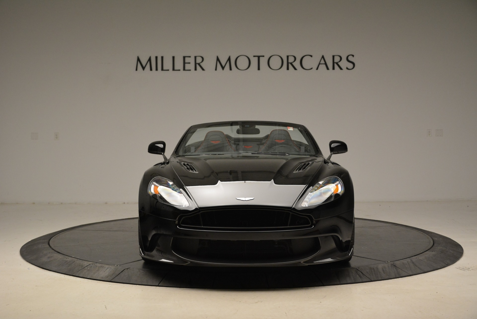 Used 2018 Aston Martin Vanquish S Convertible For Sale In Greenwich, CT 1895_p12