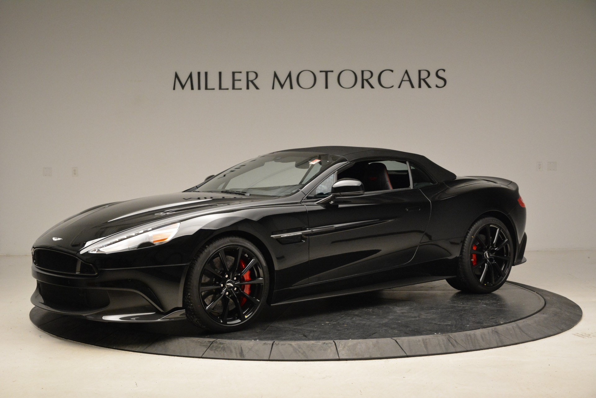 Used 2018 Aston Martin Vanquish S Convertible For Sale In Greenwich, CT 1895_p14