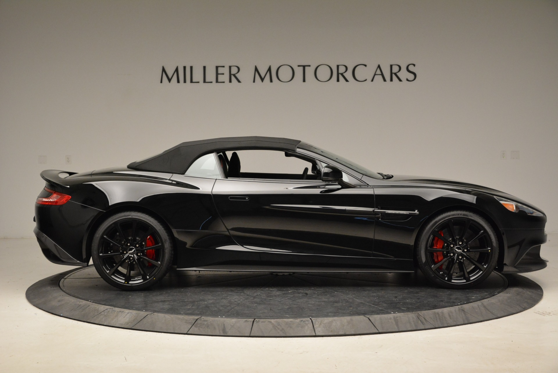 Used 2018 Aston Martin Vanquish S Convertible For Sale In Greenwich, CT 1895_p16