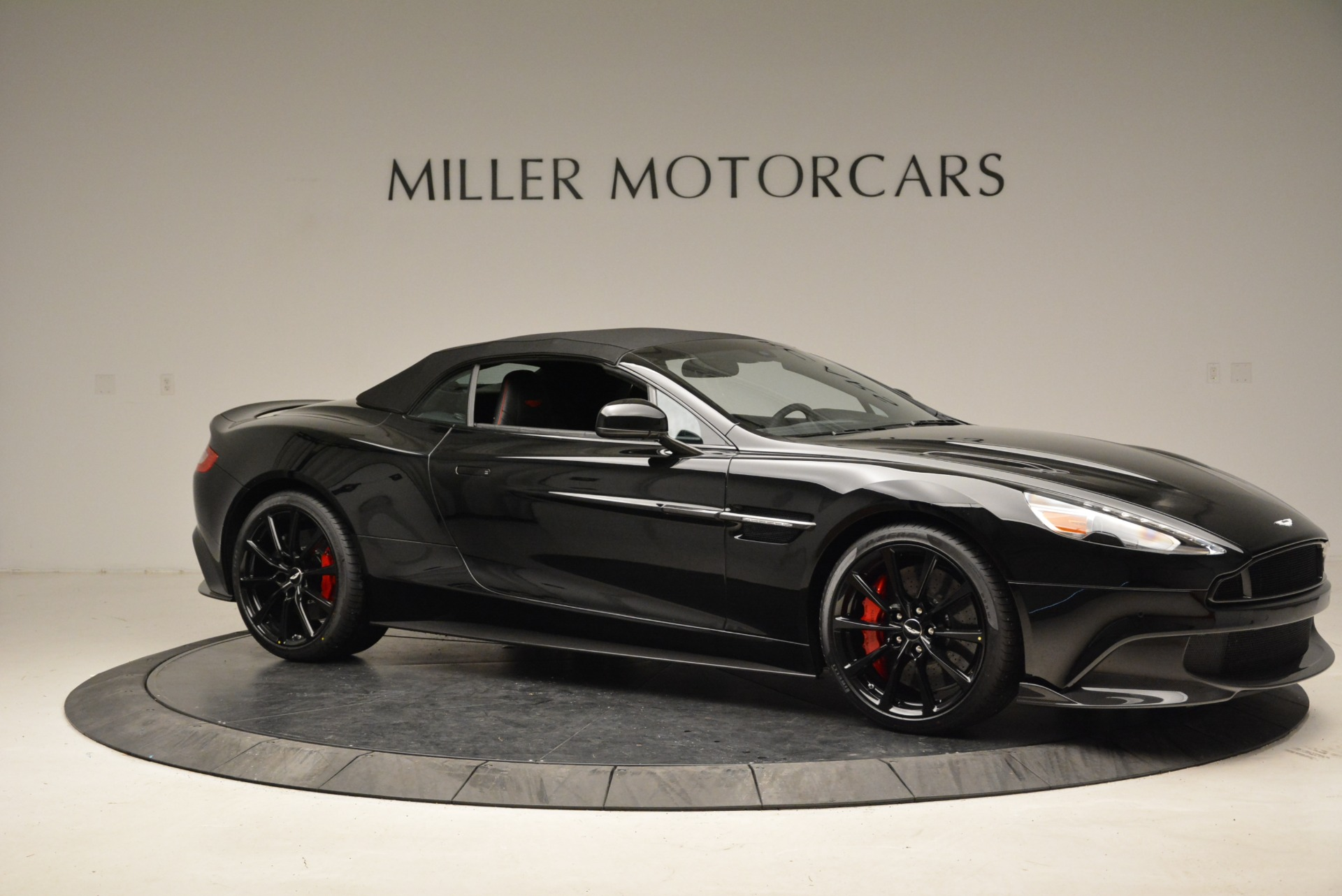 Used 2018 Aston Martin Vanquish S Convertible For Sale In Greenwich, CT 1895_p17