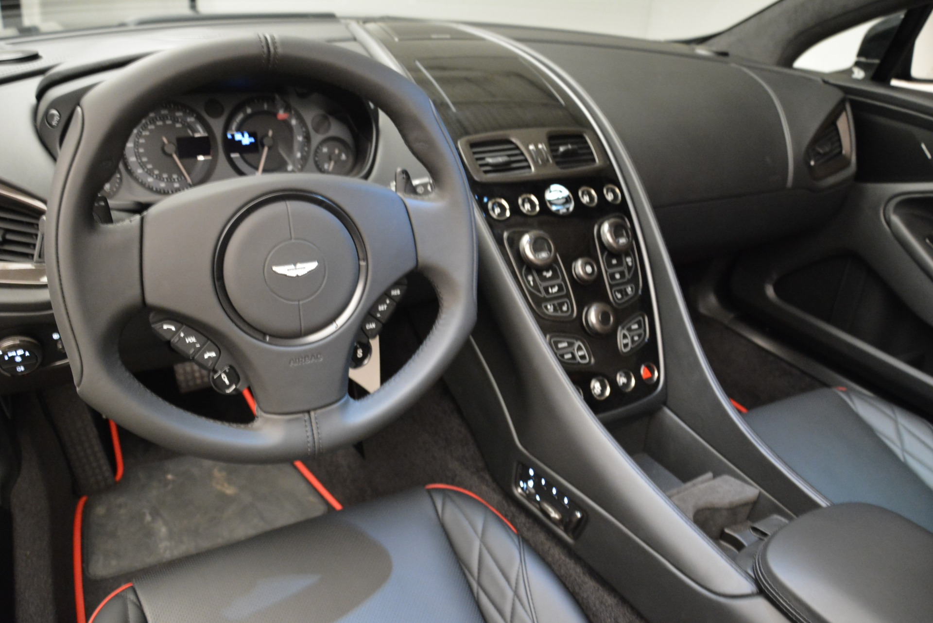Used 2018 Aston Martin Vanquish S Convertible For Sale In Greenwich, CT 1895_p20