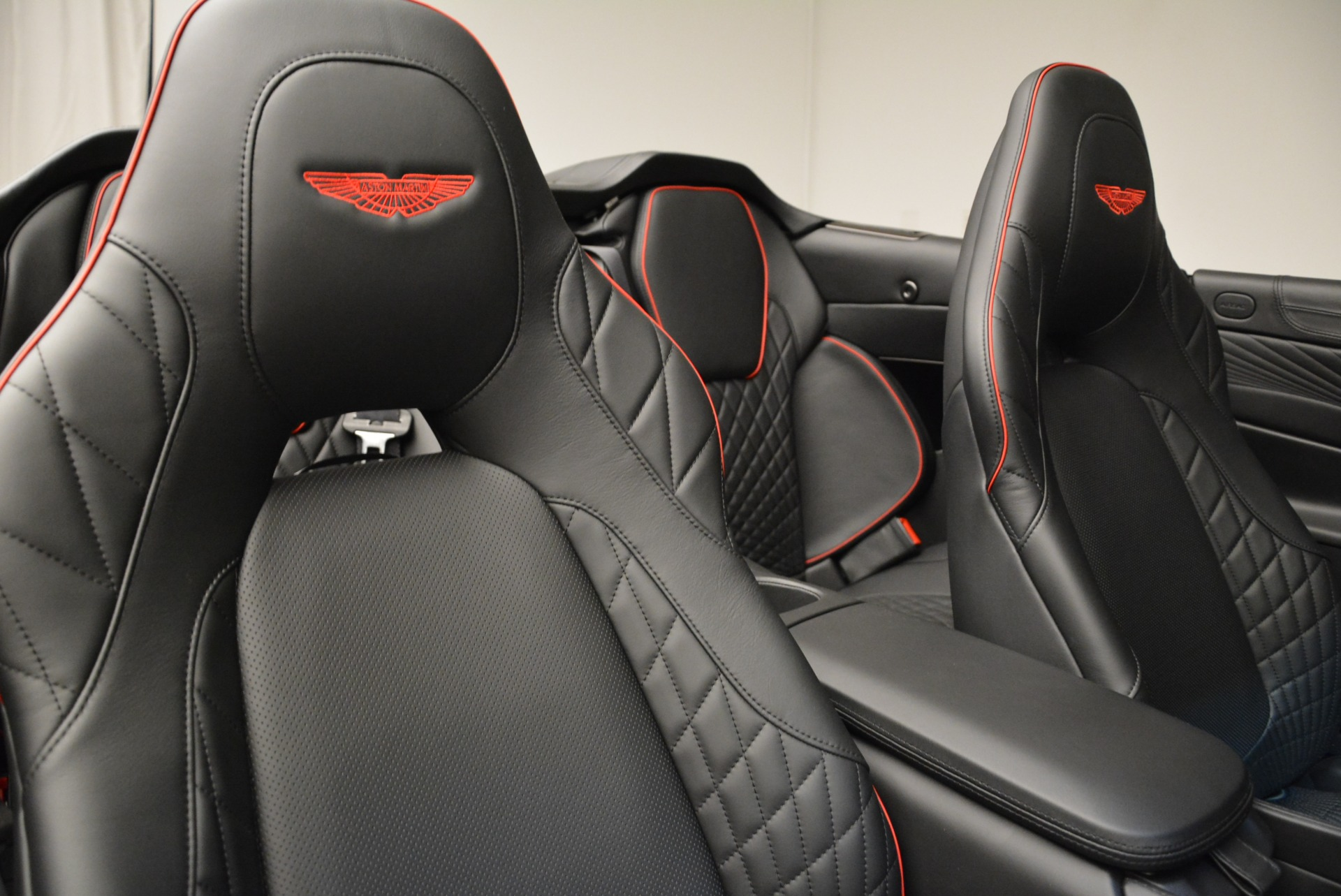 Used 2018 Aston Martin Vanquish S Convertible For Sale In Greenwich, CT 1895_p25
