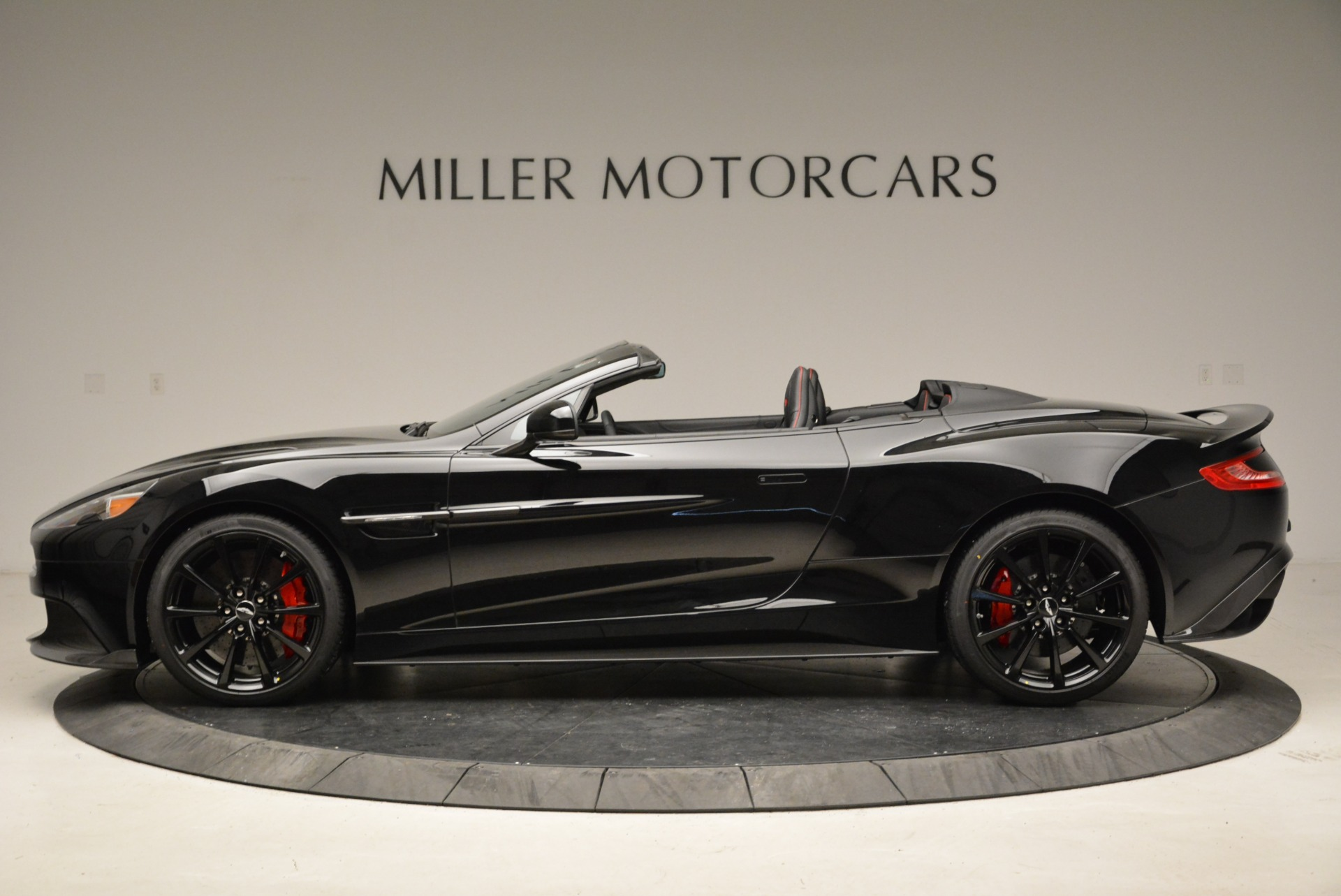 Used 2018 Aston Martin Vanquish S Convertible For Sale In Greenwich, CT 1895_p3