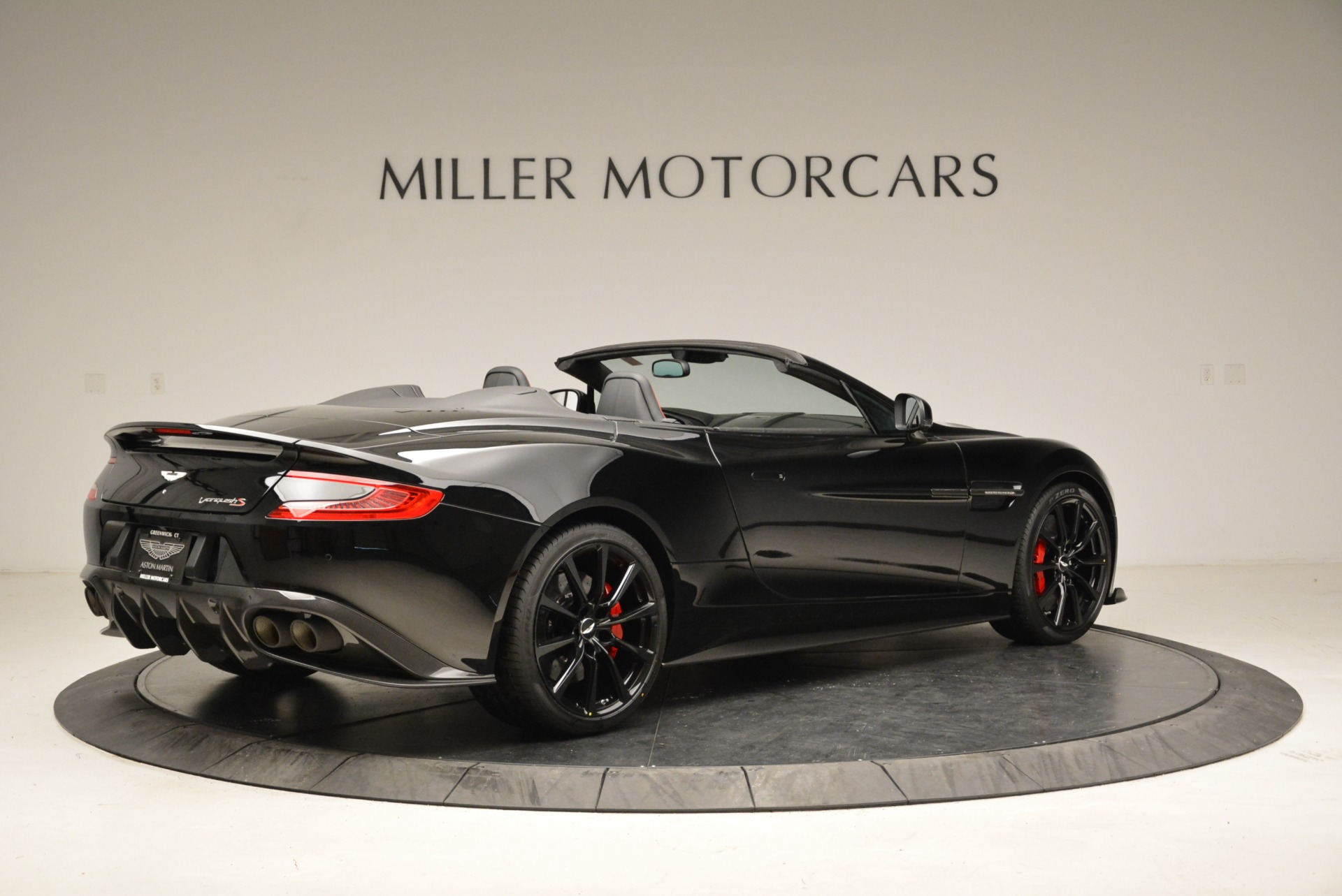 Used 2018 Aston Martin Vanquish S Convertible For Sale In Greenwich, CT 1895_p8