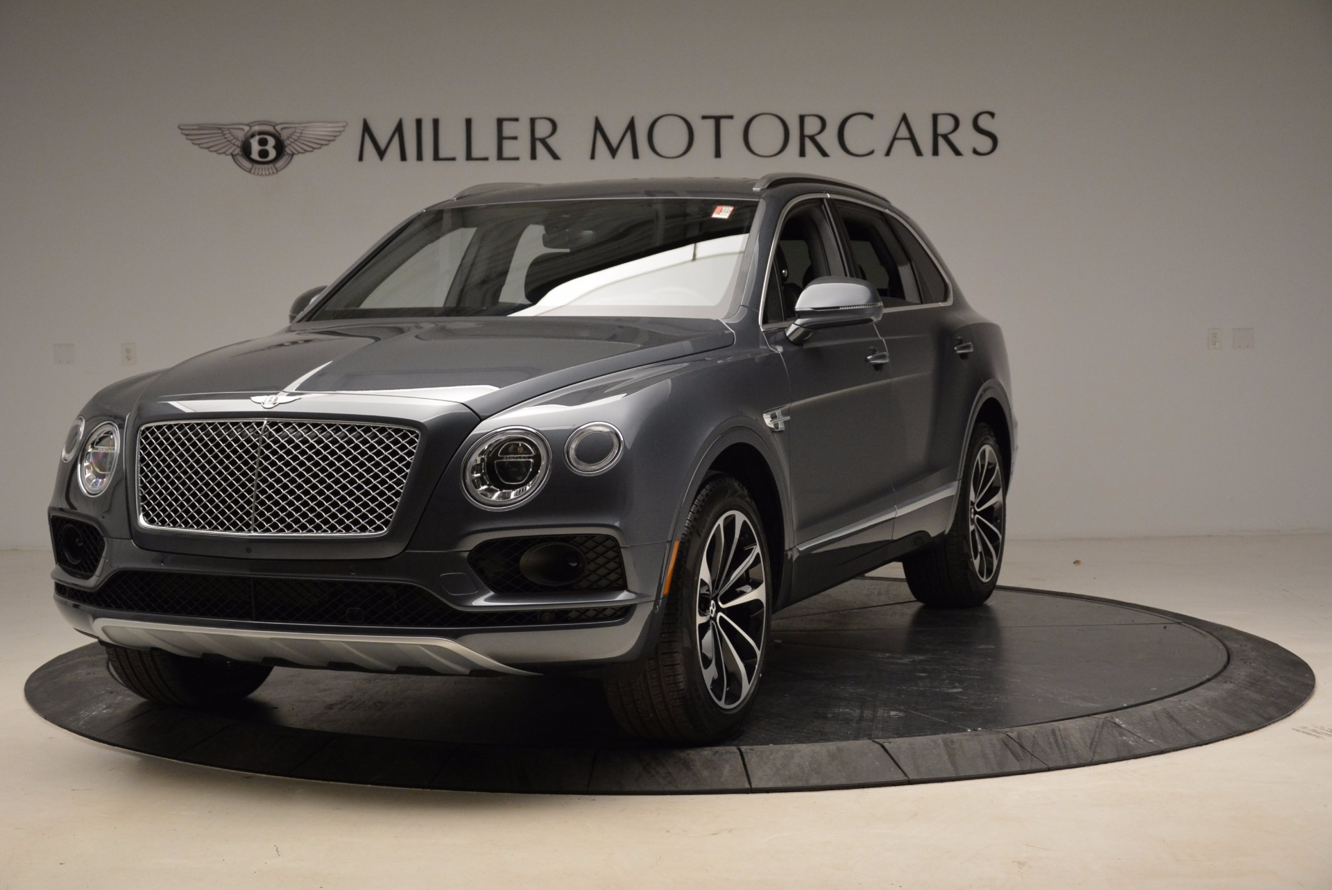 Used 2018 Bentley Bentayga W12 Signature For Sale In Greenwich, CT 1903_main