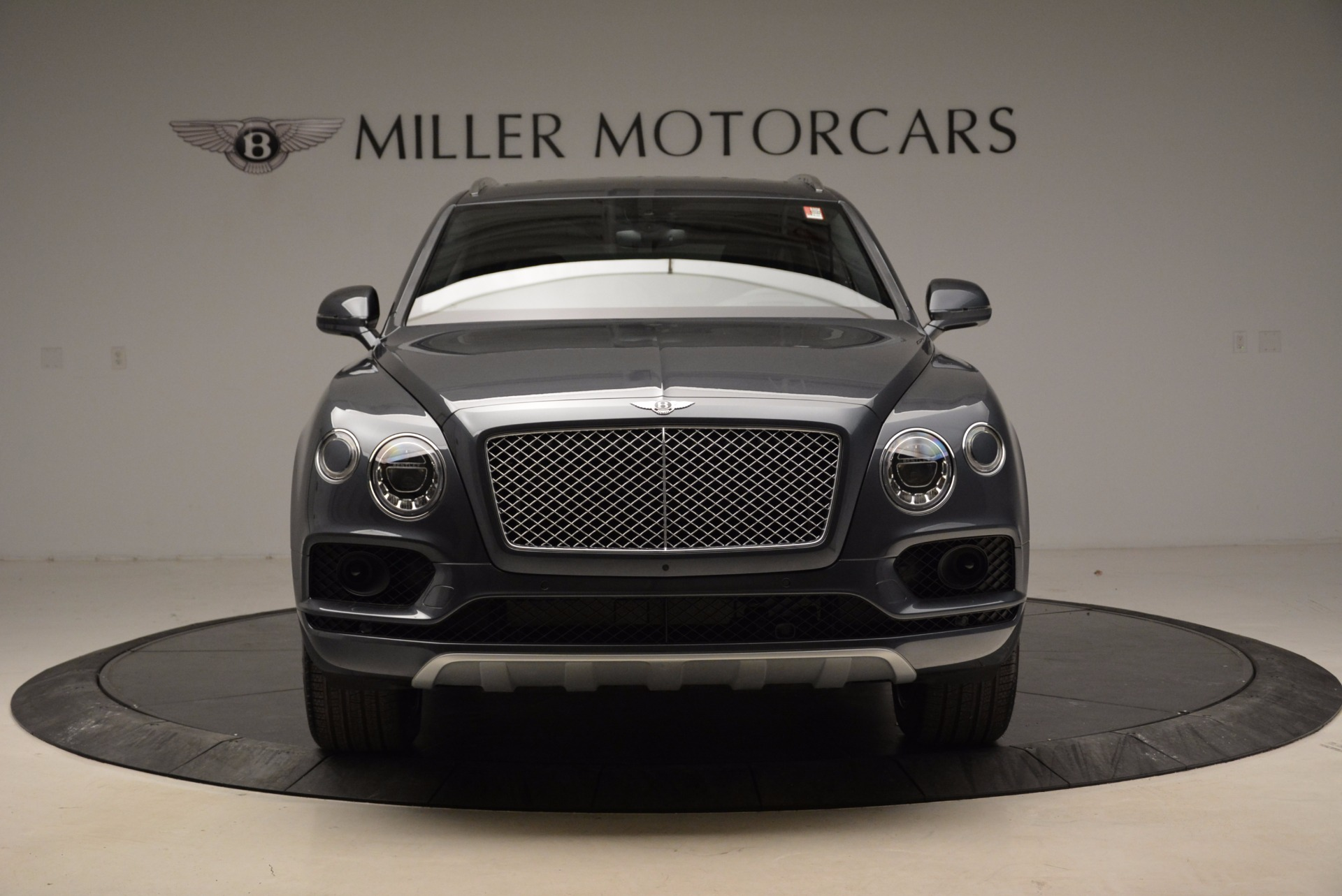 Used 2018 Bentley Bentayga W12 Signature For Sale In Greenwich, CT 1903_p12