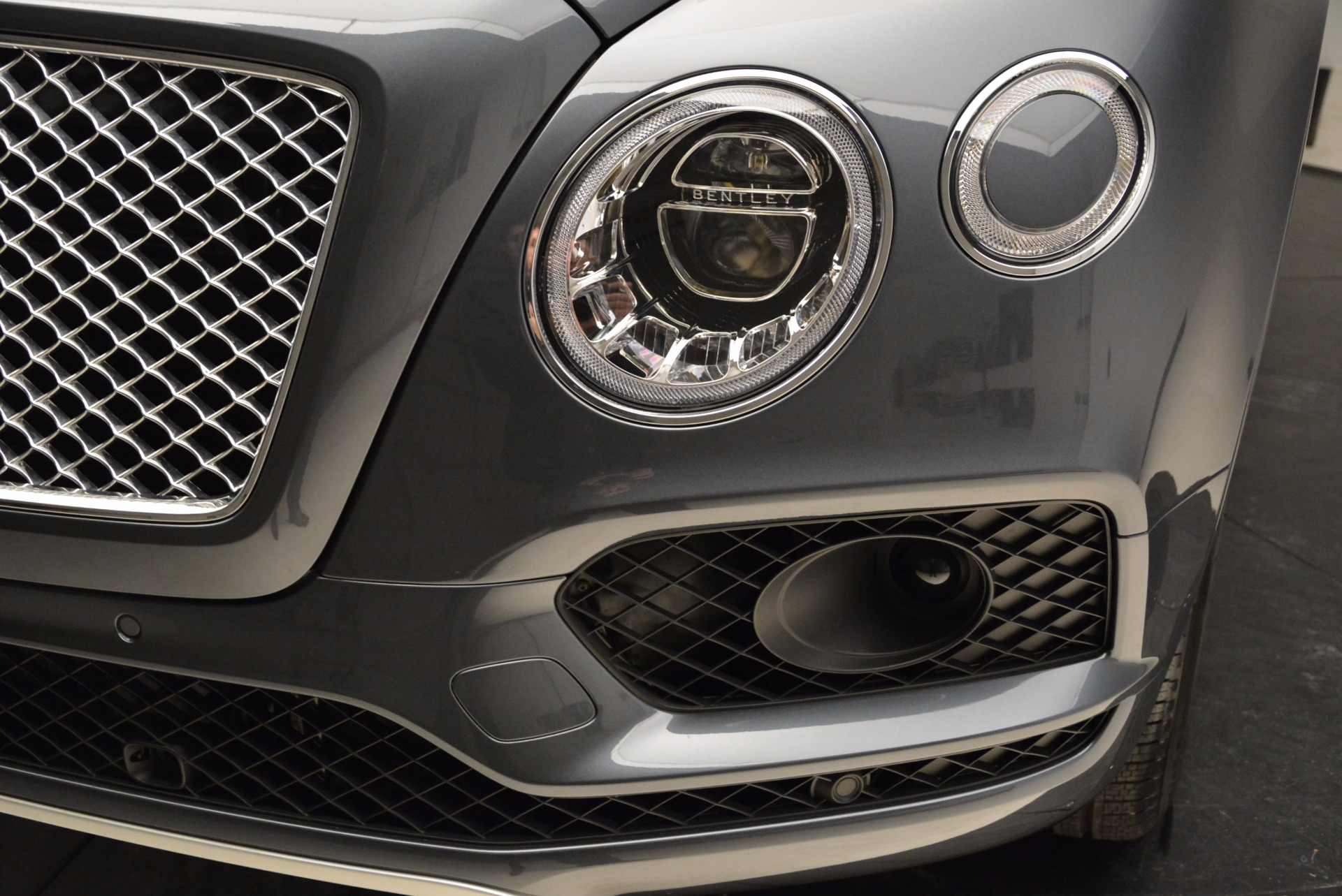 Used 2018 Bentley Bentayga W12 Signature For Sale In Greenwich, CT 1903_p14