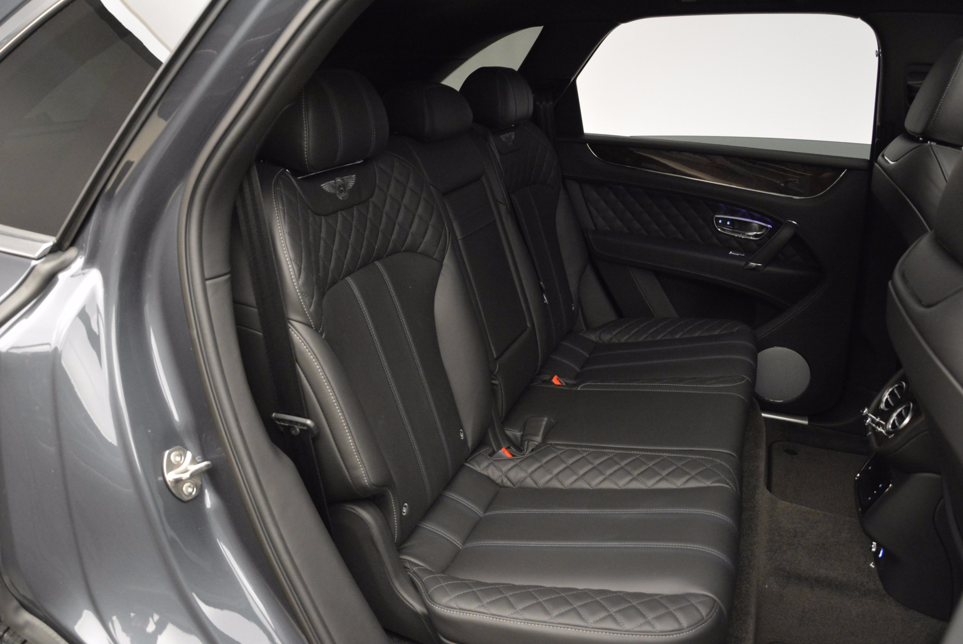 Used 2018 Bentley Bentayga W12 Signature For Sale In Greenwich, CT 1903_p38