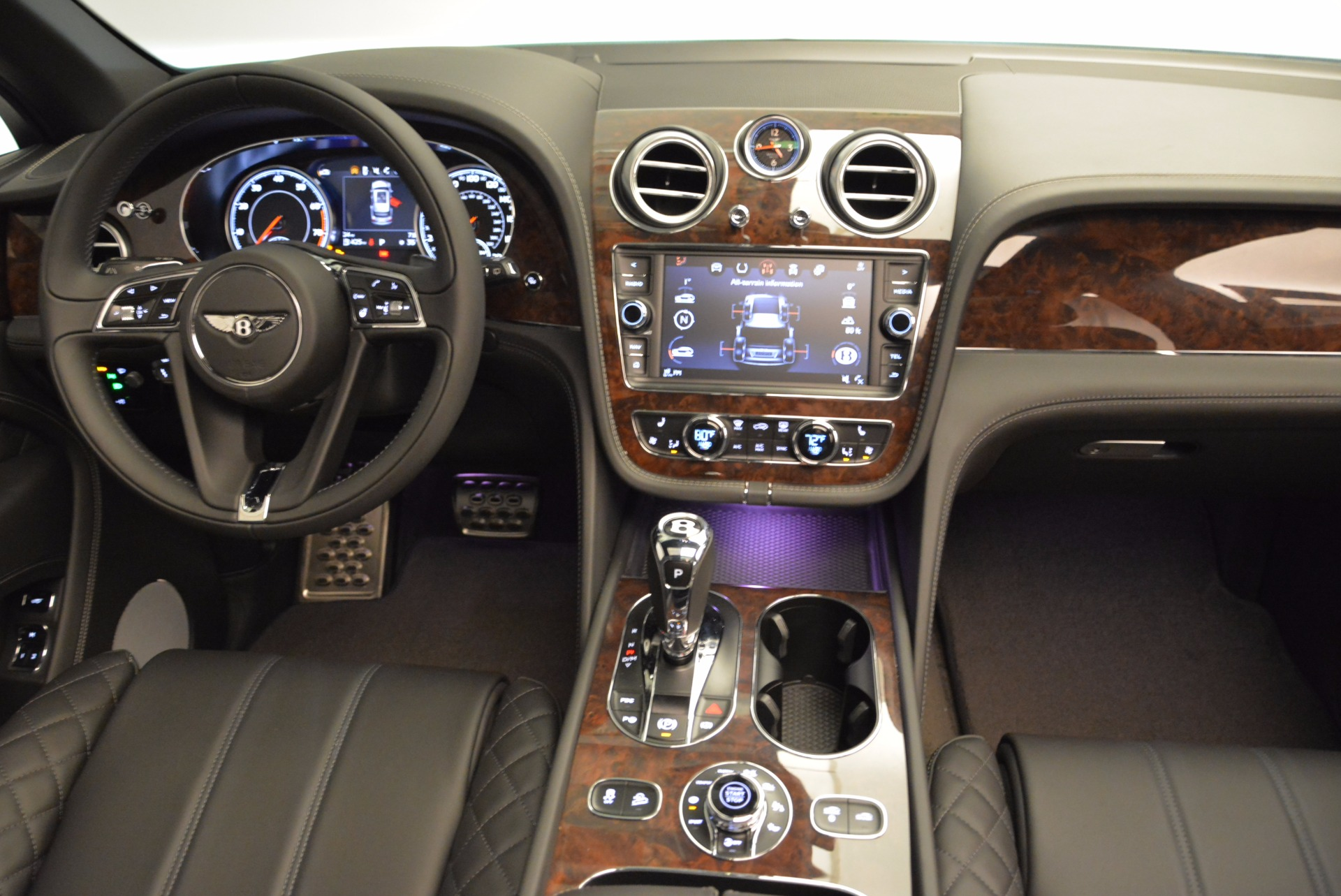 Used 2018 Bentley Bentayga W12 Signature For Sale In Greenwich, CT 1903_p44