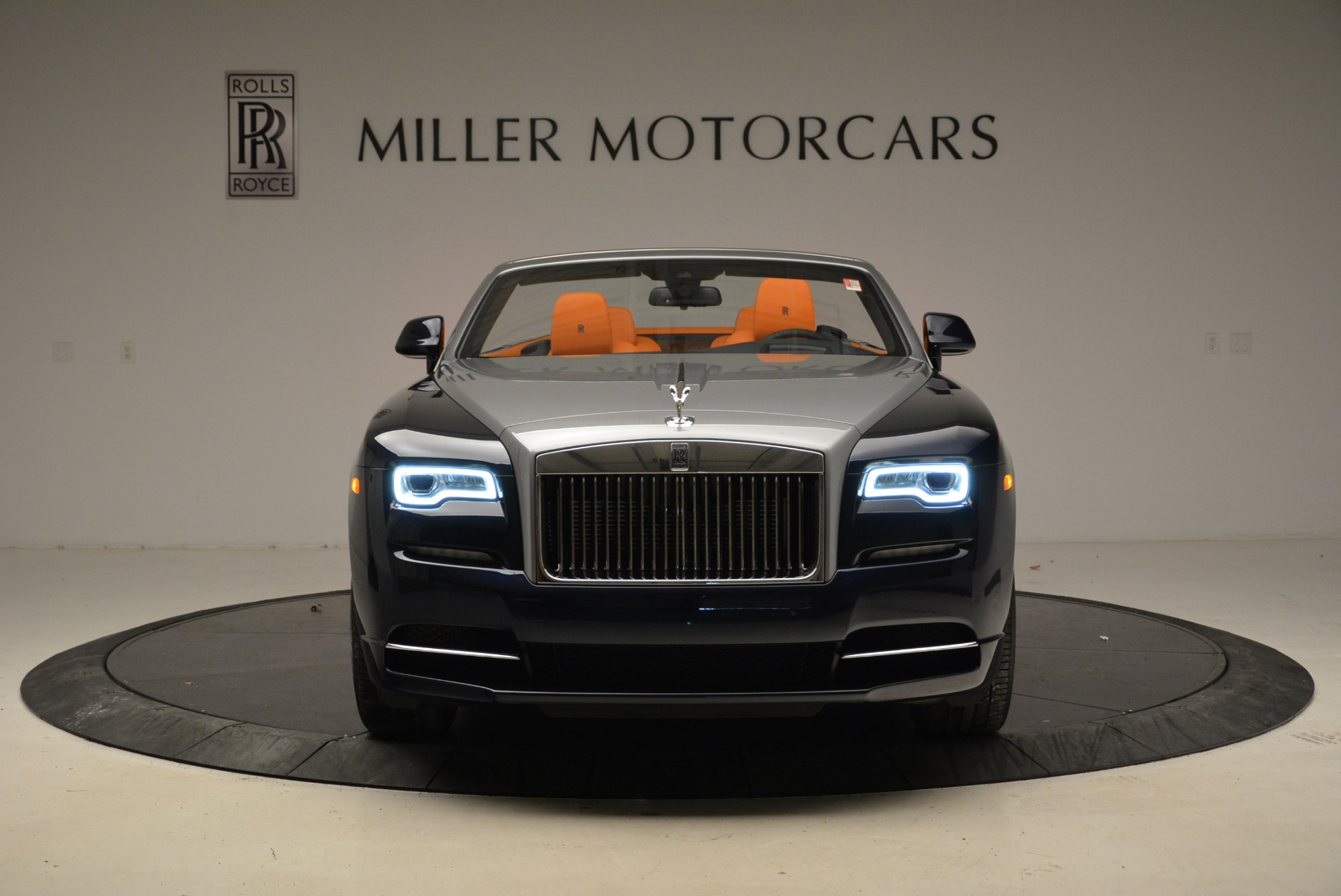 New 2018 Rolls-Royce Dawn  For Sale In Greenwich, CT 1905_p10