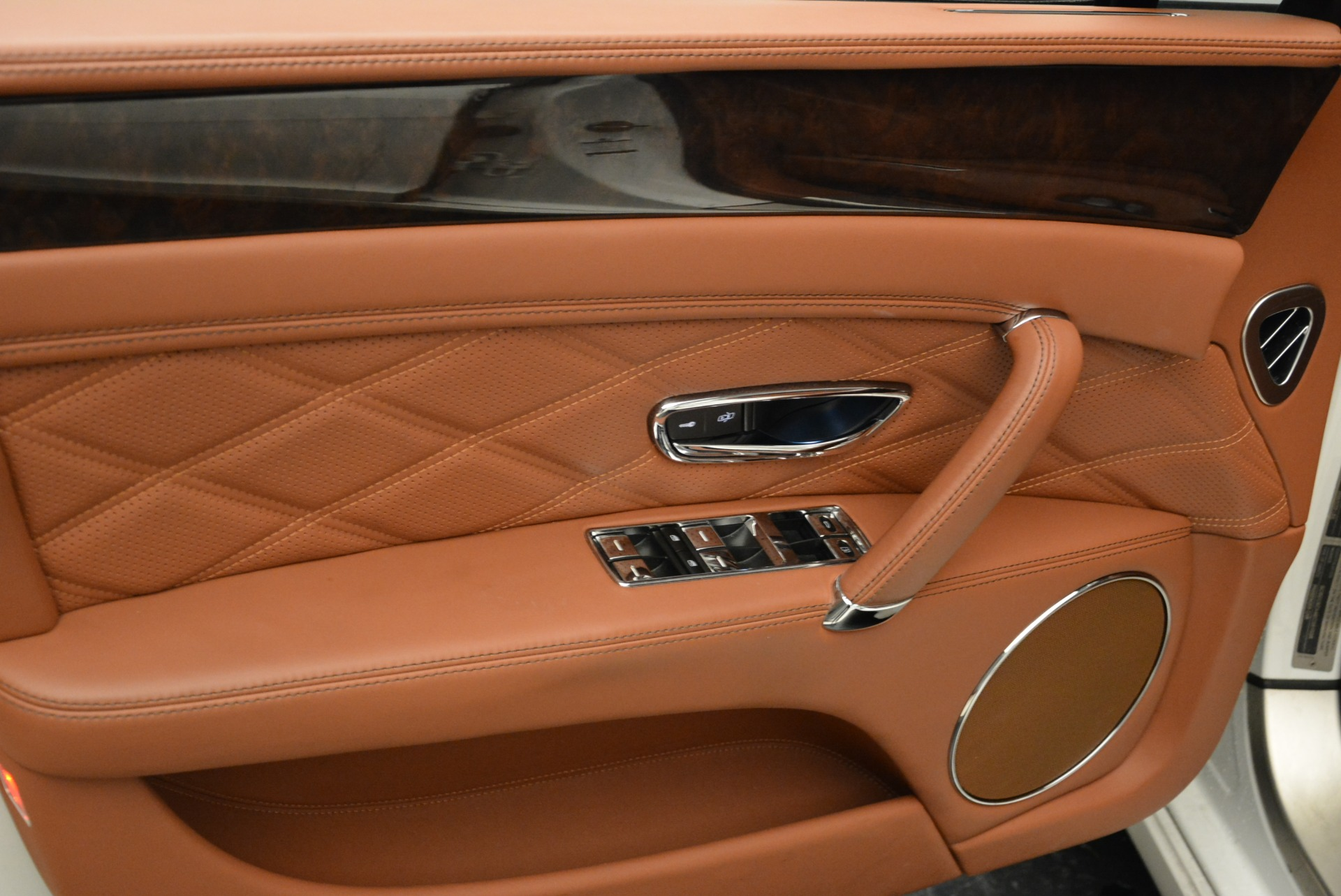 Used 2014 Bentley Flying Spur W12 For Sale In Greenwich, CT 1906_p21