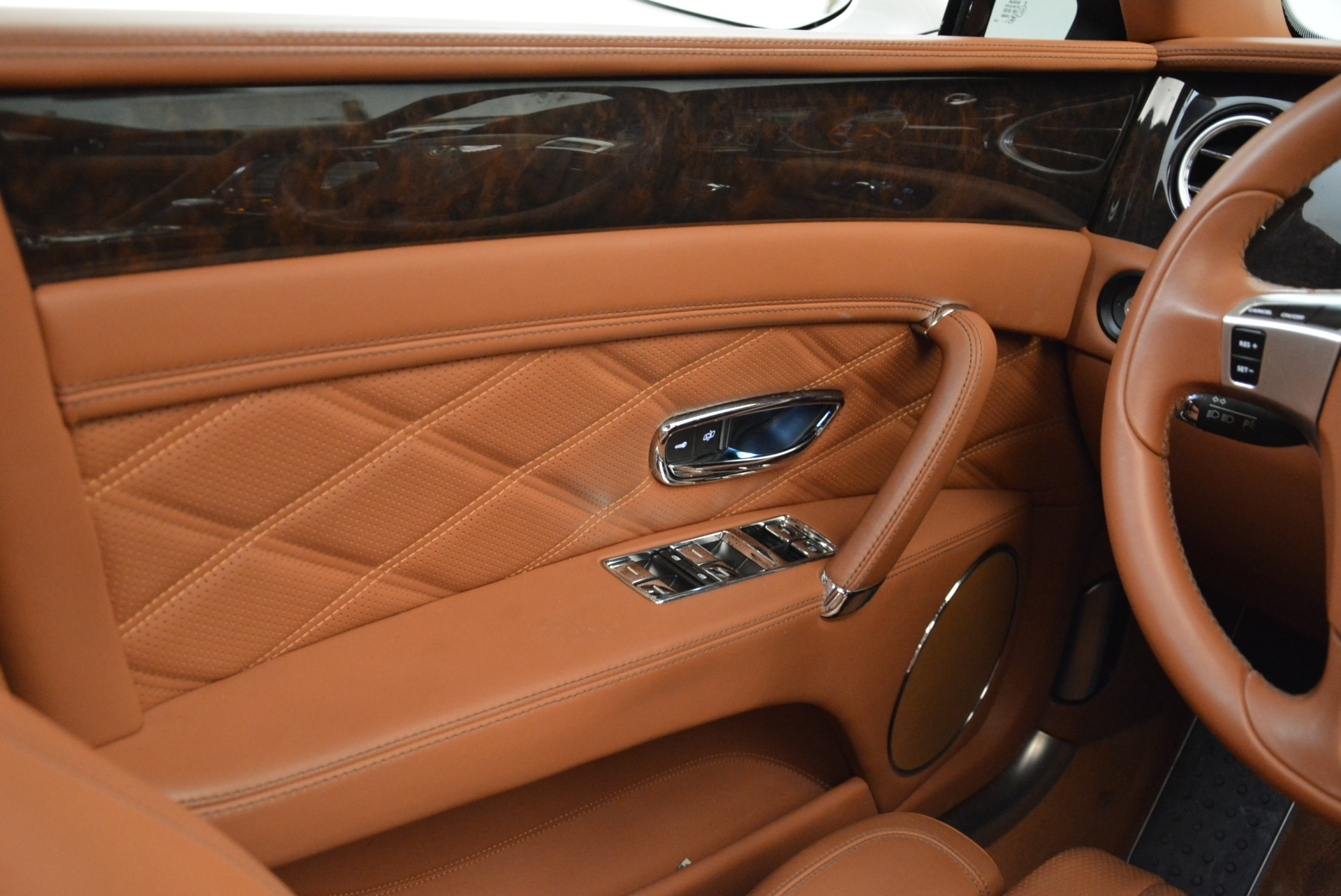 Used 2014 Bentley Flying Spur W12 For Sale In Greenwich, CT 1906_p45