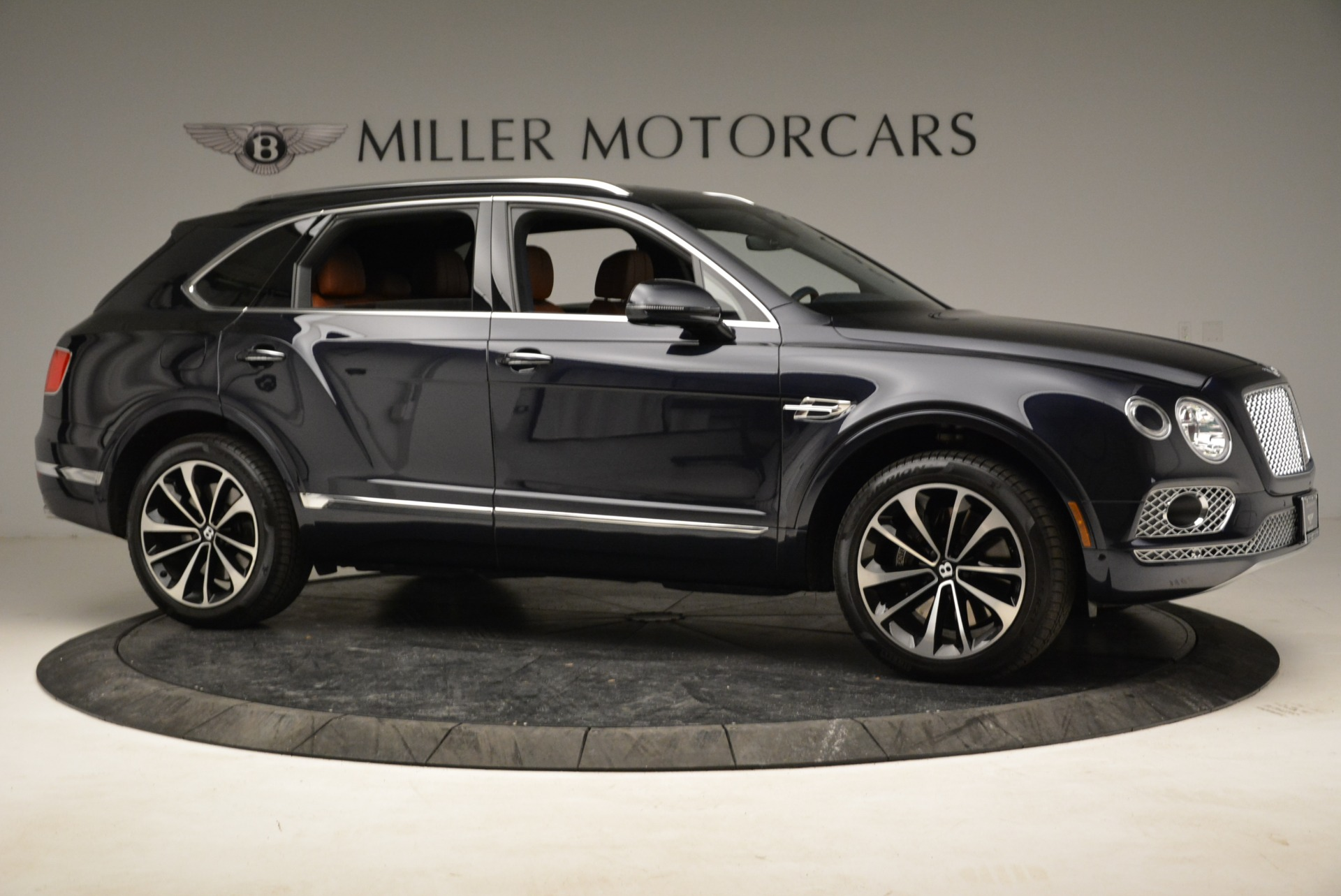 Used 2017 Bentley Bentayga W12 For Sale In Greenwich, CT 1913_p10