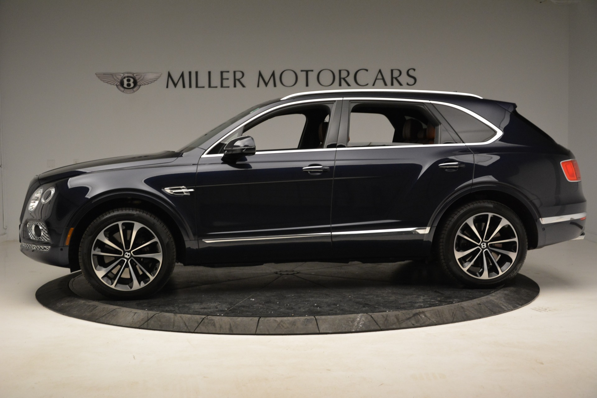 Used 2017 Bentley Bentayga W12 For Sale In Greenwich, CT 1913_p3