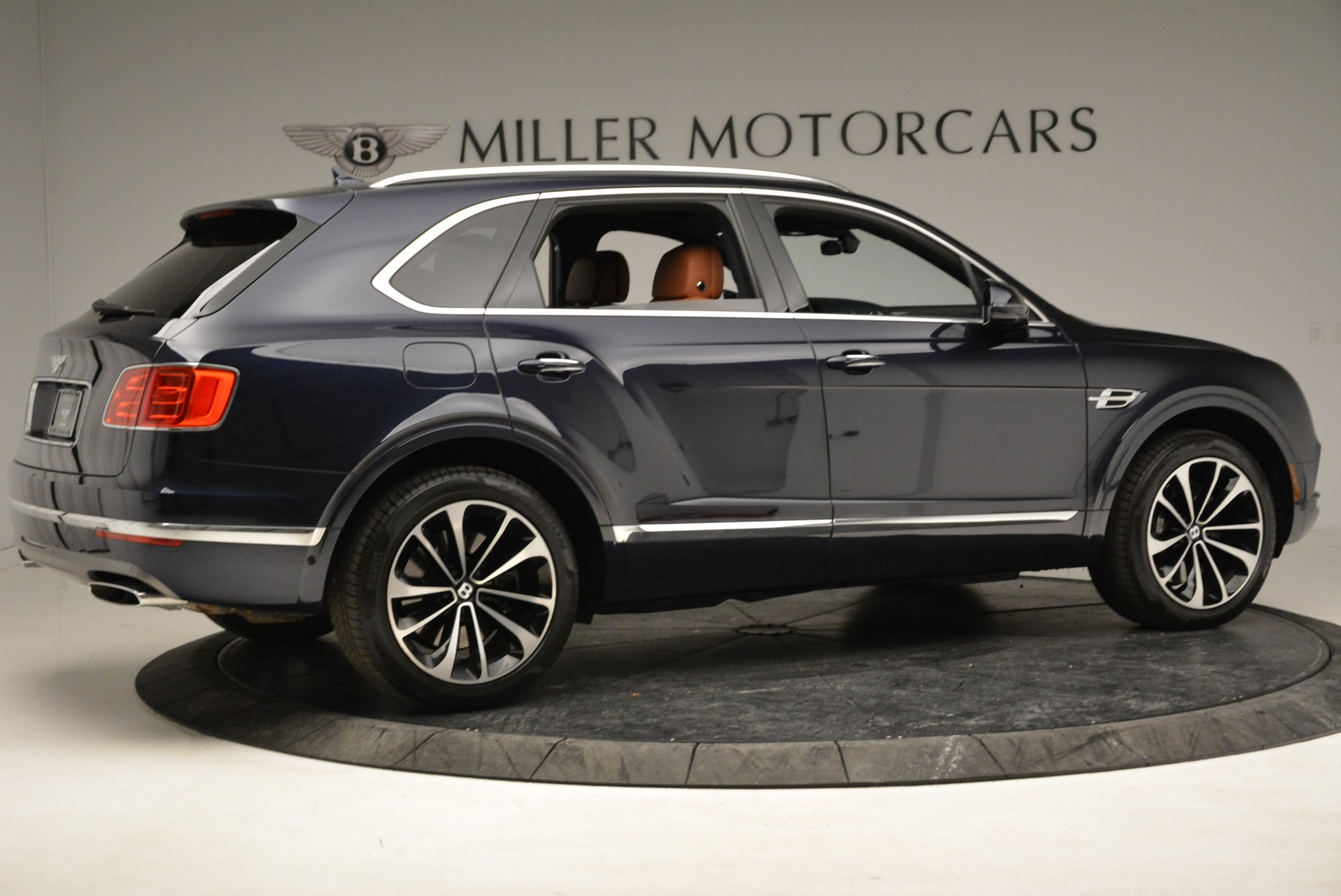Used 2017 Bentley Bentayga W12 For Sale In Greenwich, CT 1913_p8