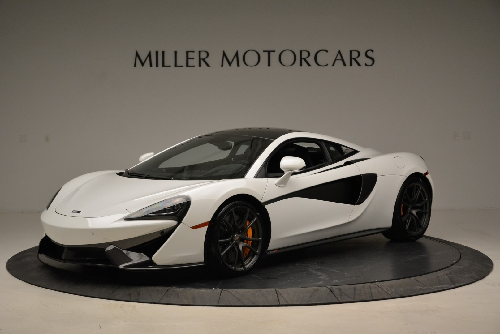Used 2017 McLaren 570S  For Sale In Greenwich, CT 1914_p2