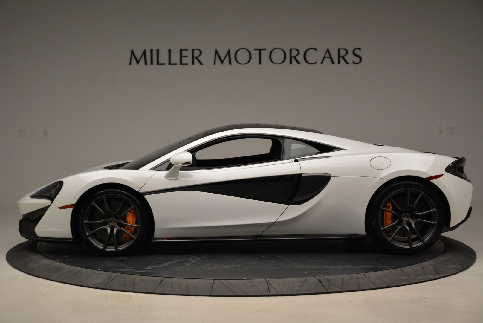 Used 2017 McLaren 570S  For Sale In Greenwich, CT 1914_p3
