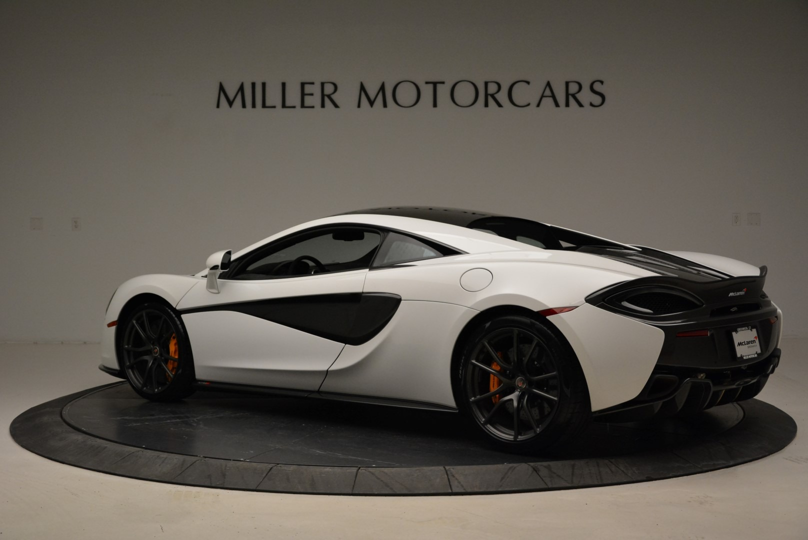 Used 2017 McLaren 570S  For Sale In Greenwich, CT 1914_p4