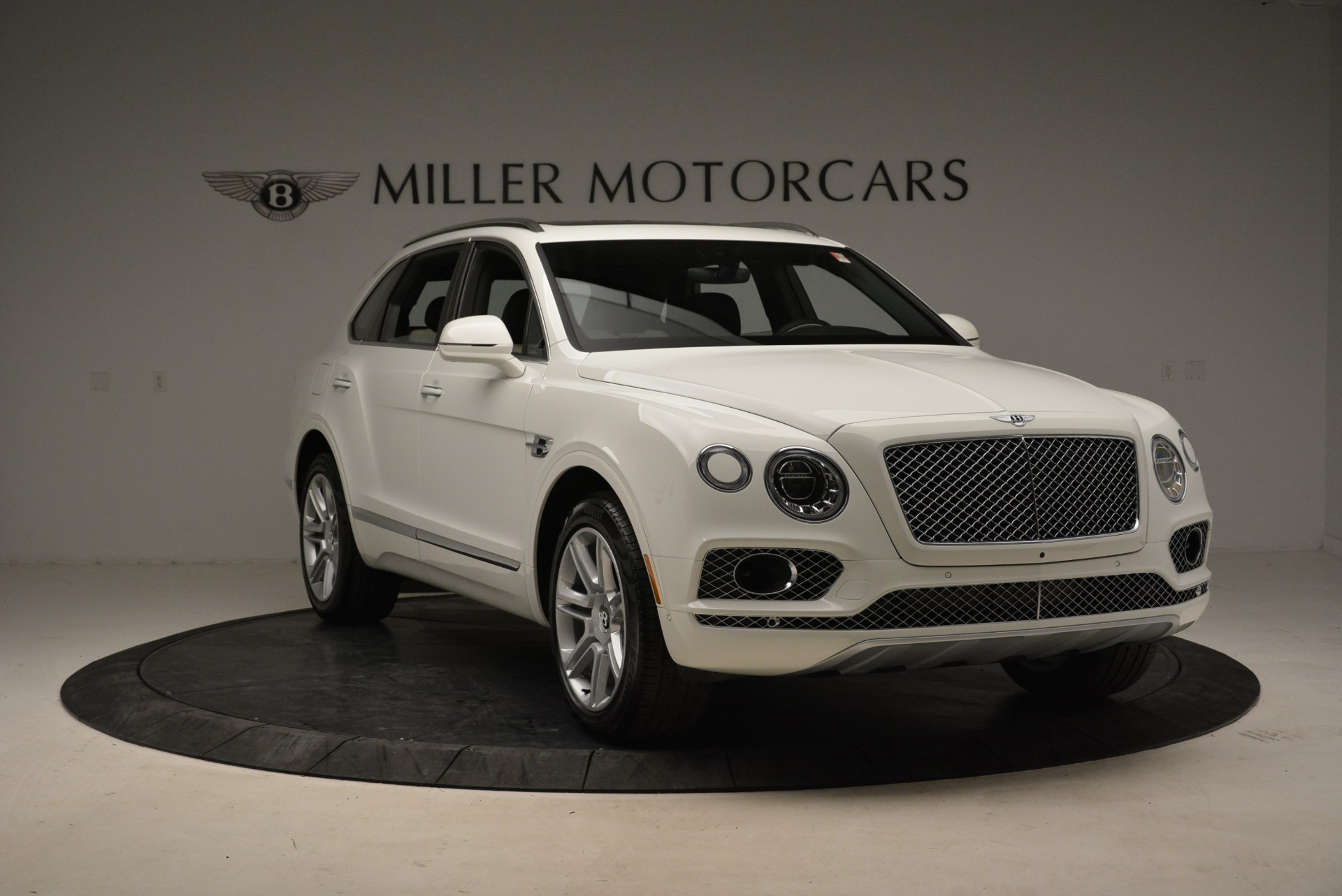Used 2018 Bentley Bentayga Activity Edition For Sale In Greenwich, CT 1922_p11
