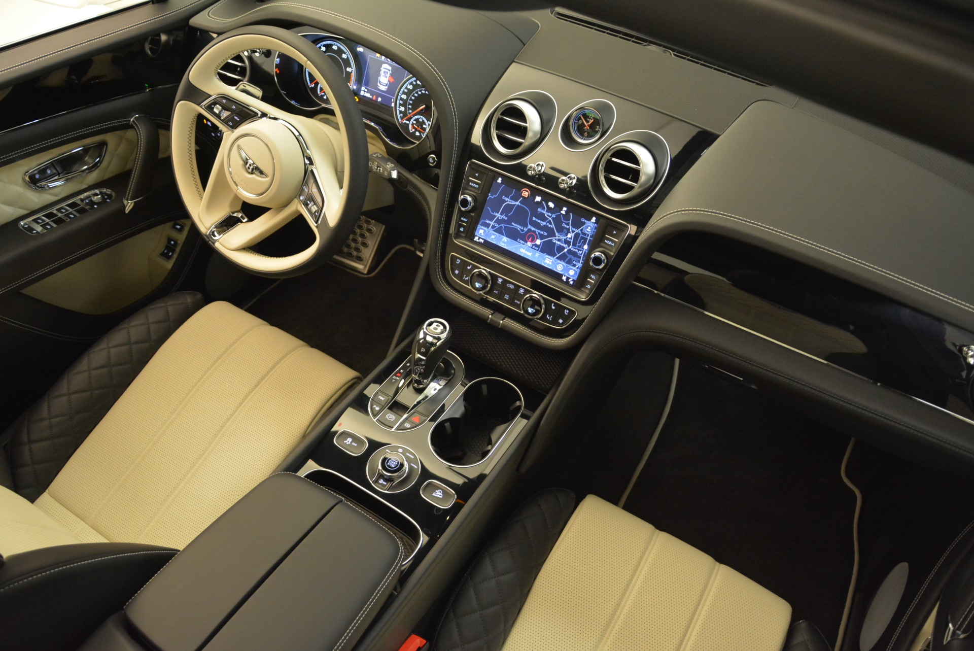 Used 2018 Bentley Bentayga Activity Edition For Sale In Greenwich, CT 1922_p28