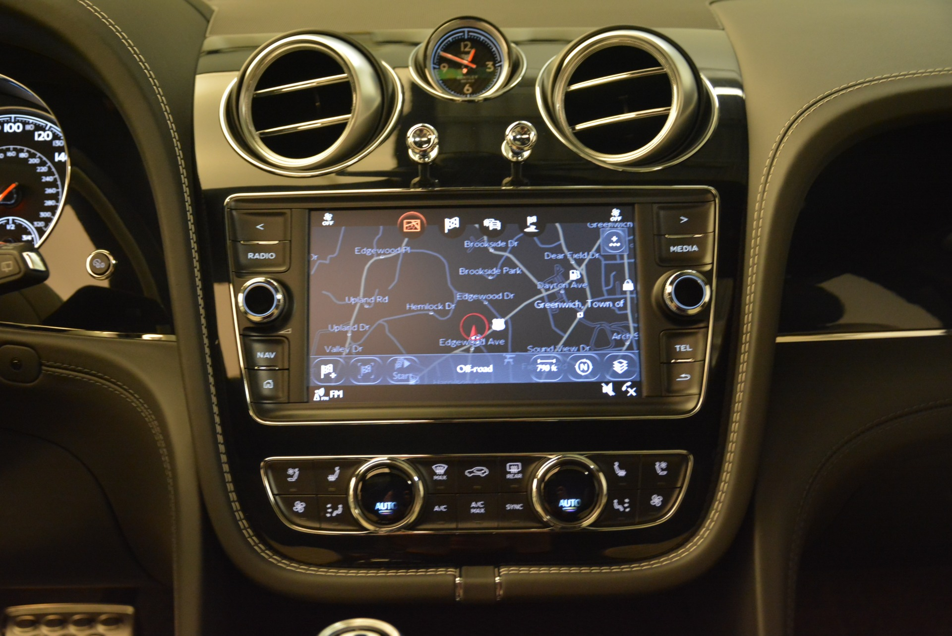 Used 2018 Bentley Bentayga Activity Edition For Sale In Greenwich, CT 1922_p29