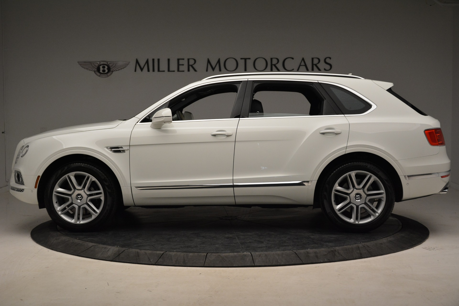 Used 2018 Bentley Bentayga Activity Edition For Sale In Greenwich, CT 1922_p3