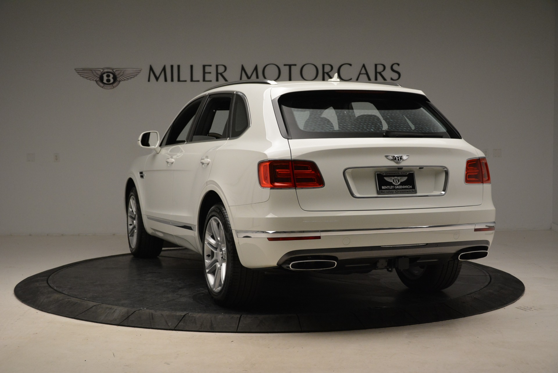 Used 2018 Bentley Bentayga Activity Edition For Sale In Greenwich, CT 1922_p5