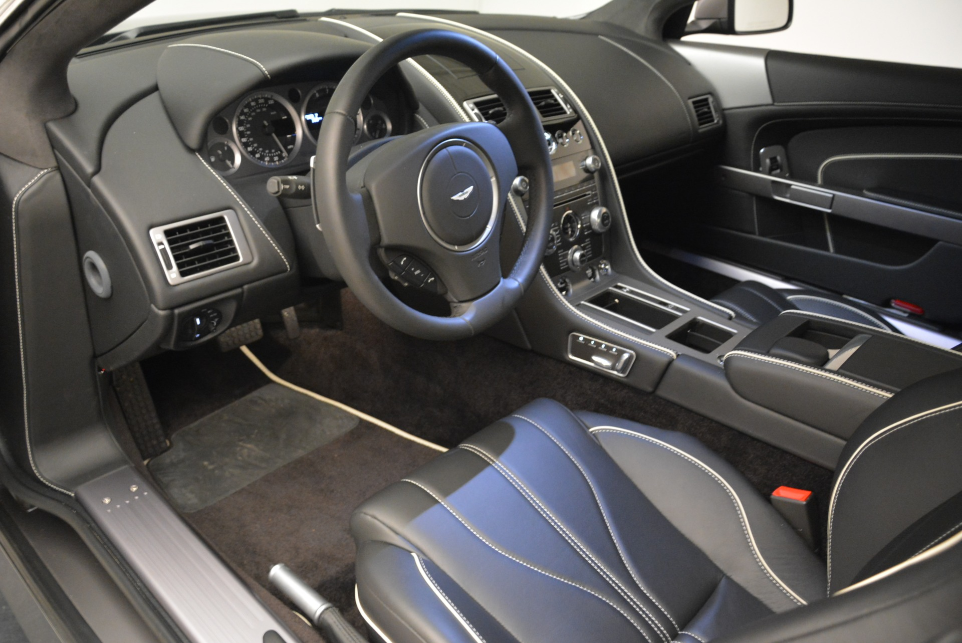 Used 2015 Aston Martin DB9  For Sale In Greenwich, CT 1951_p14
