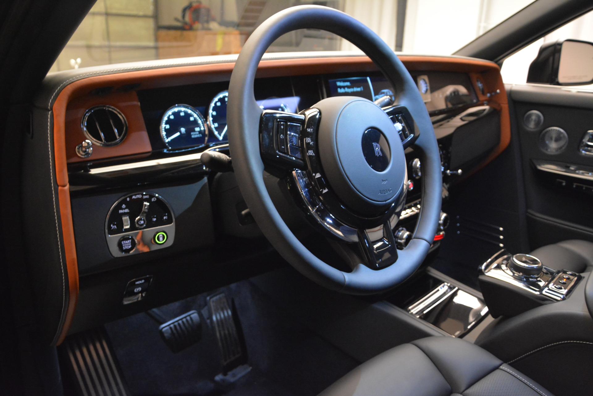 Used 2018 Rolls-Royce Phantom  For Sale In Greenwich, CT 1958_p11