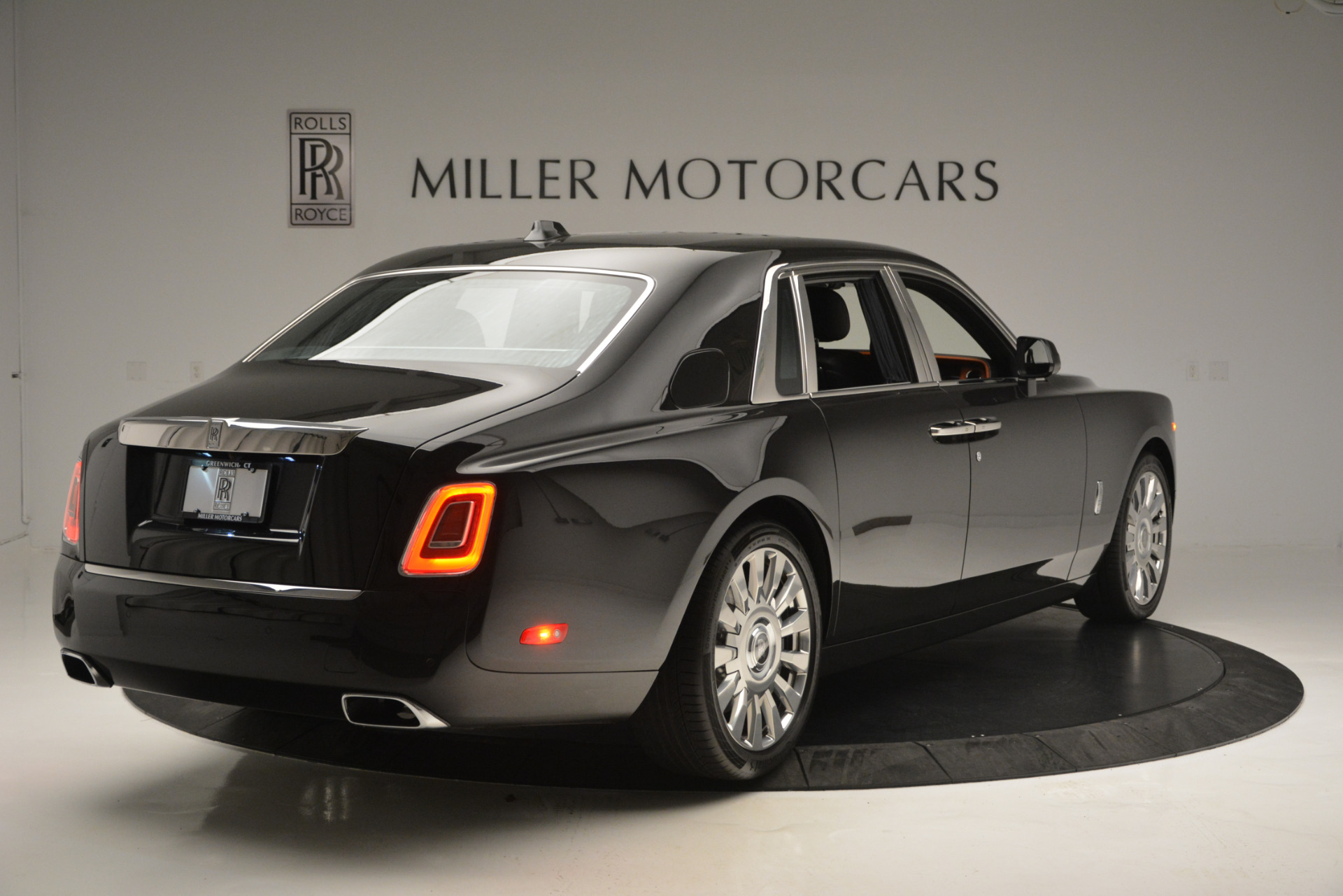 Used 2018 Rolls-Royce Phantom  For Sale In Greenwich, CT 1958_p7