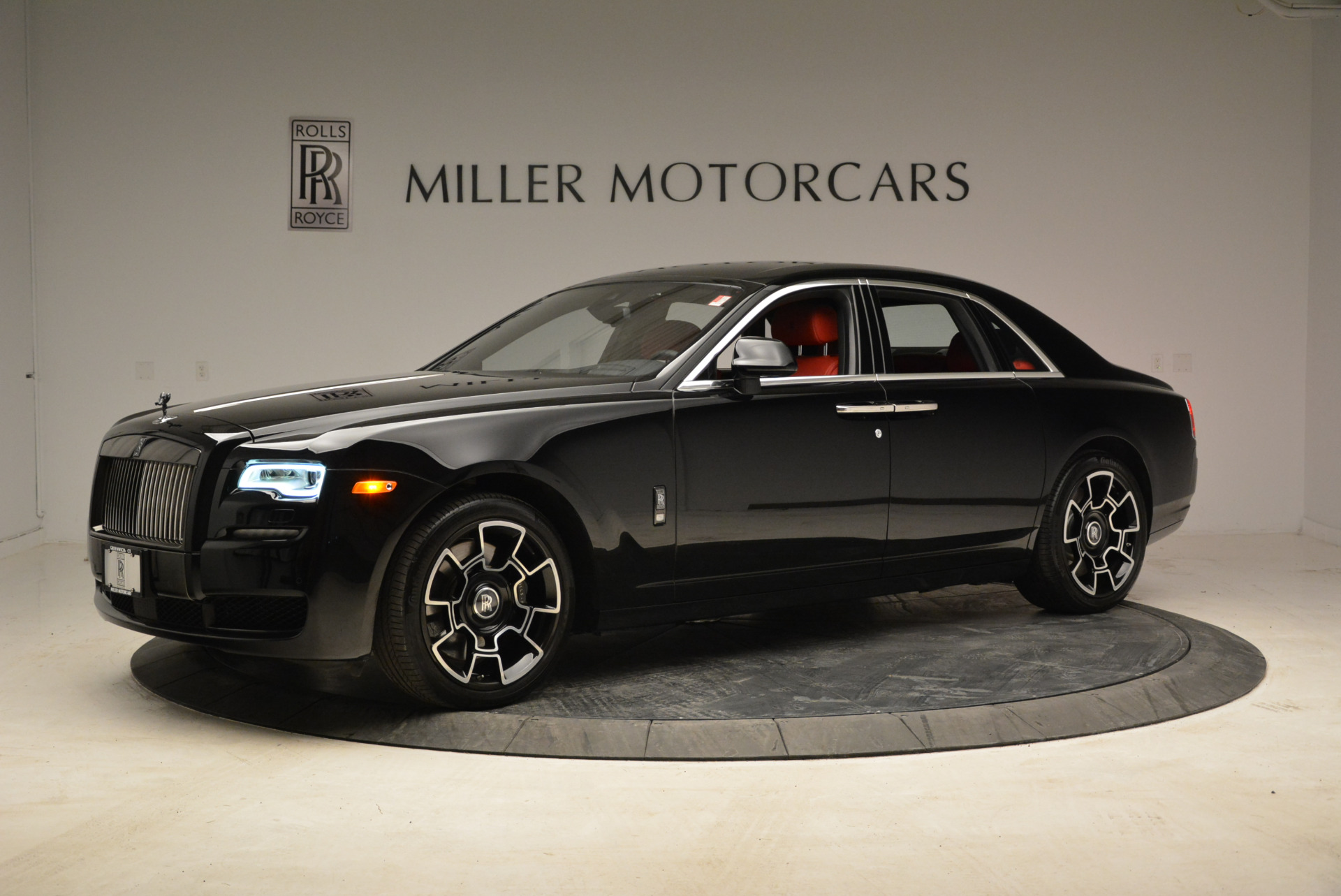 Used 2017 Rolls-Royce Ghost Black Badge For Sale In Greenwich, CT 1959_p2