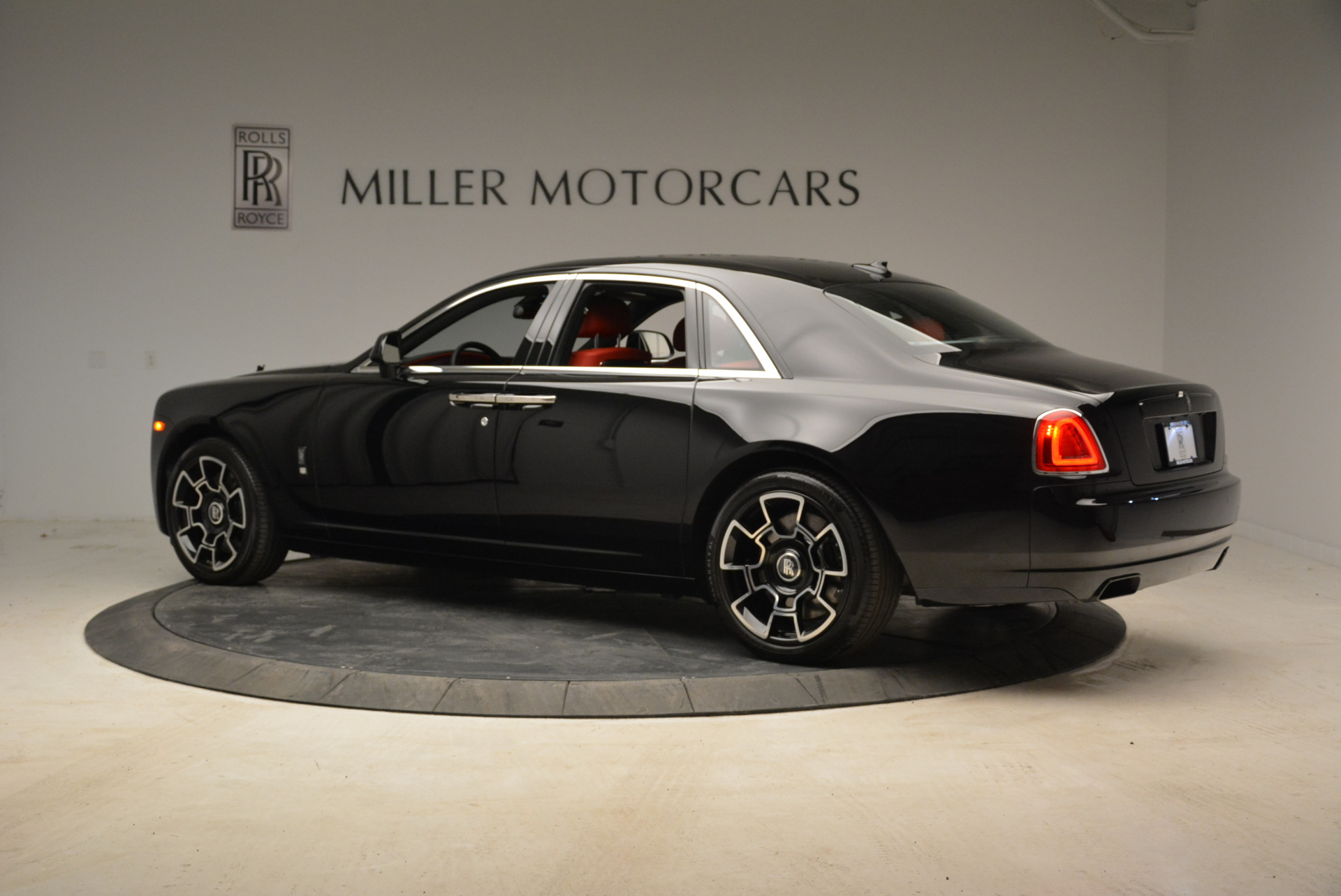 Used 2017 Rolls-Royce Ghost Black Badge For Sale In Greenwich, CT 1959_p4