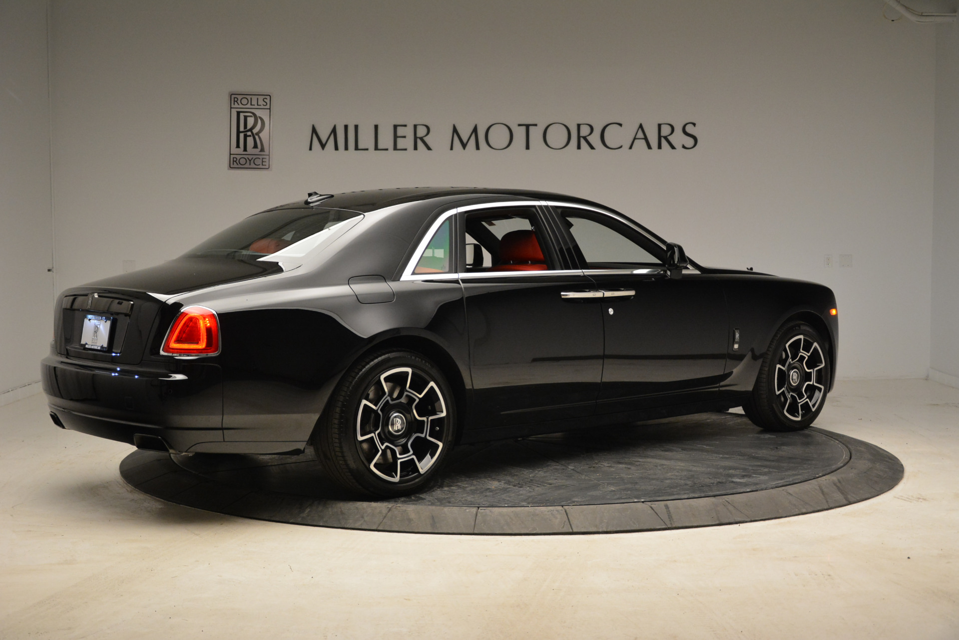 Used 2017 Rolls-Royce Ghost Black Badge For Sale In Greenwich, CT 1959_p8