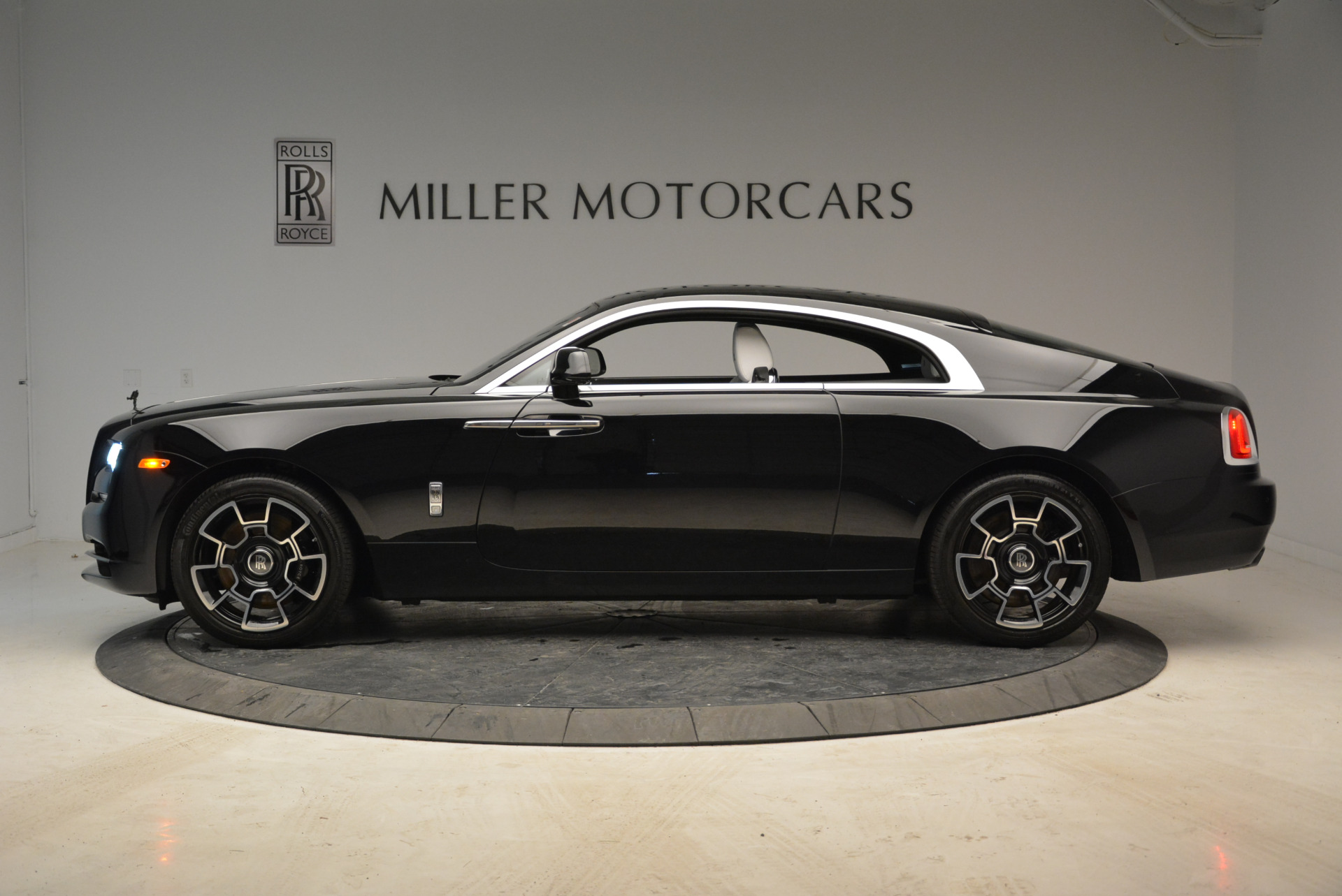Used 2017 Rolls-Royce Wraith Black Badge For Sale In Greenwich, CT 1994_p3