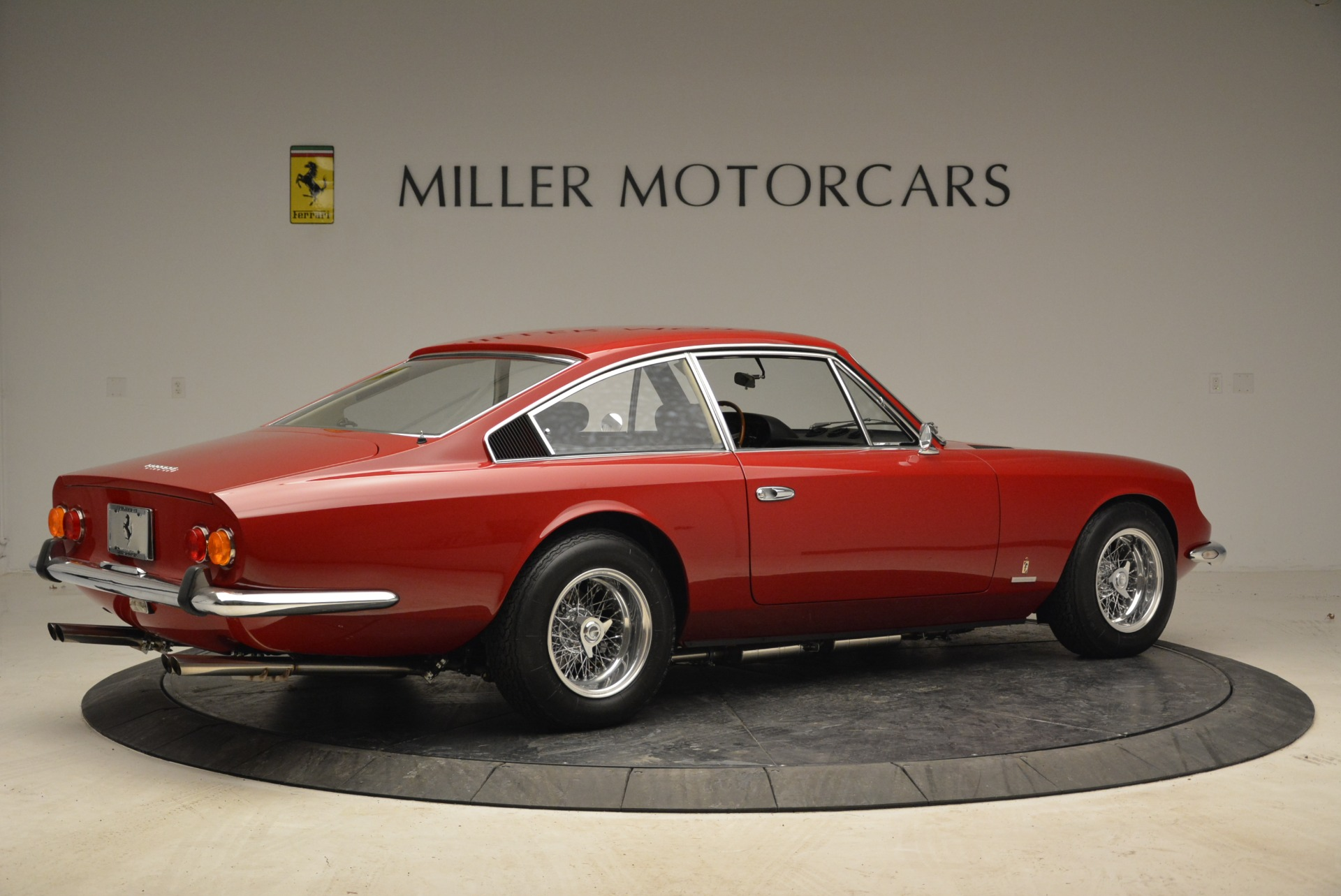 Used 1969 Ferrari 365 GT 2+2  For Sale In Greenwich, CT 1995_p8