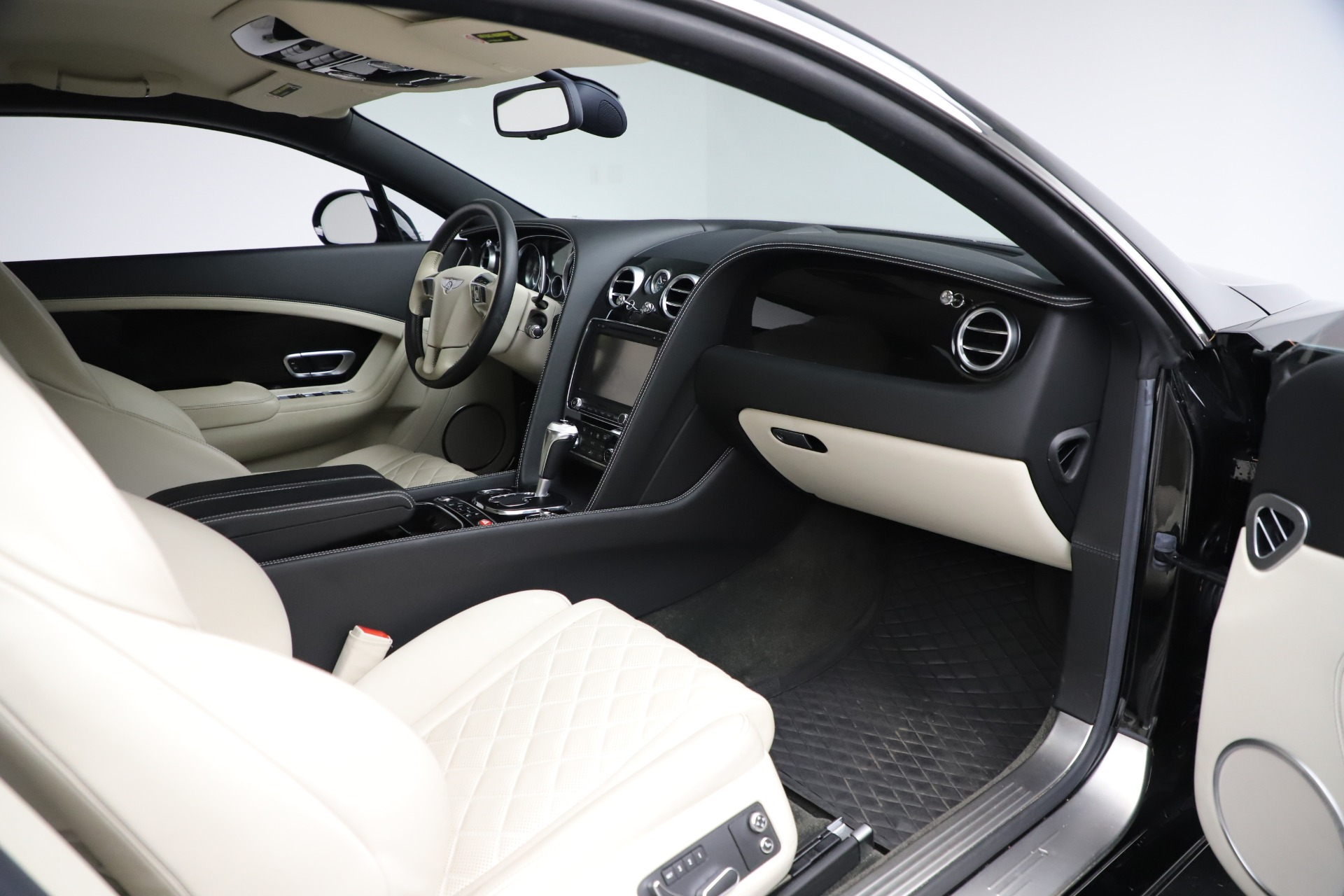 Used 2016 Bentley Continental GT W12 For Sale In Greenwich, CT 20_p23