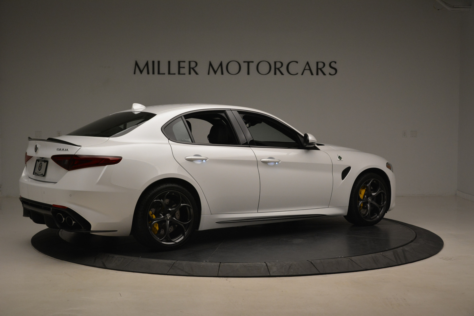 New 2018 Alfa Romeo Giulia Quadrifoglio For Sale In Greenwich, CT 2031_p8