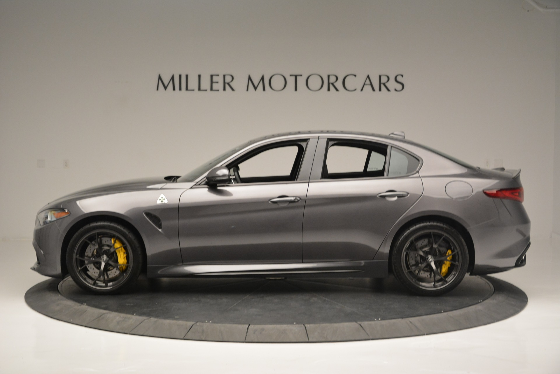 New 2018 Alfa Romeo Giulia Quadrifoglio For Sale In Greenwich, CT 2032_p3